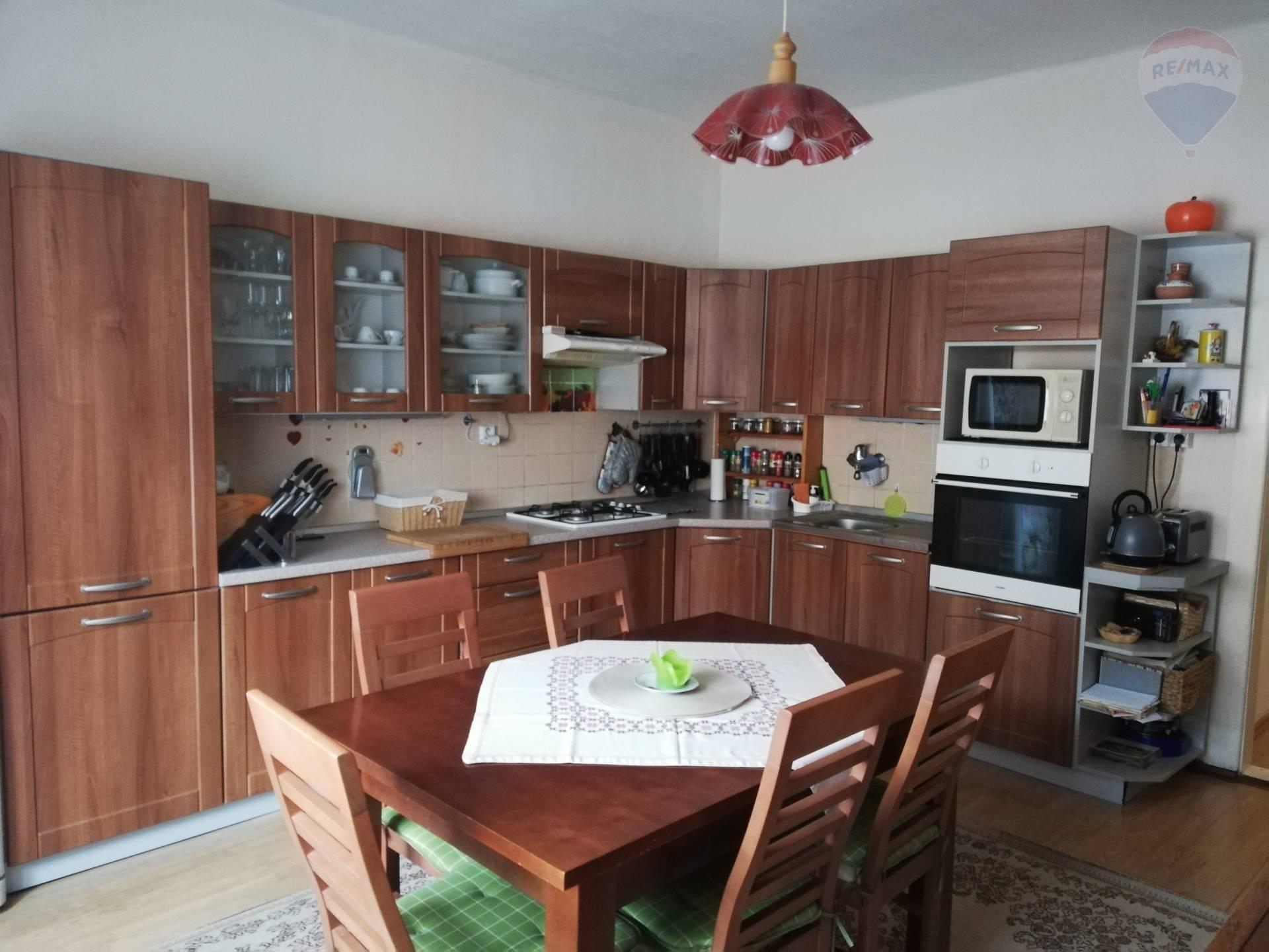 Predaj 5 izbový dom Hontianske Nemce - Krupina