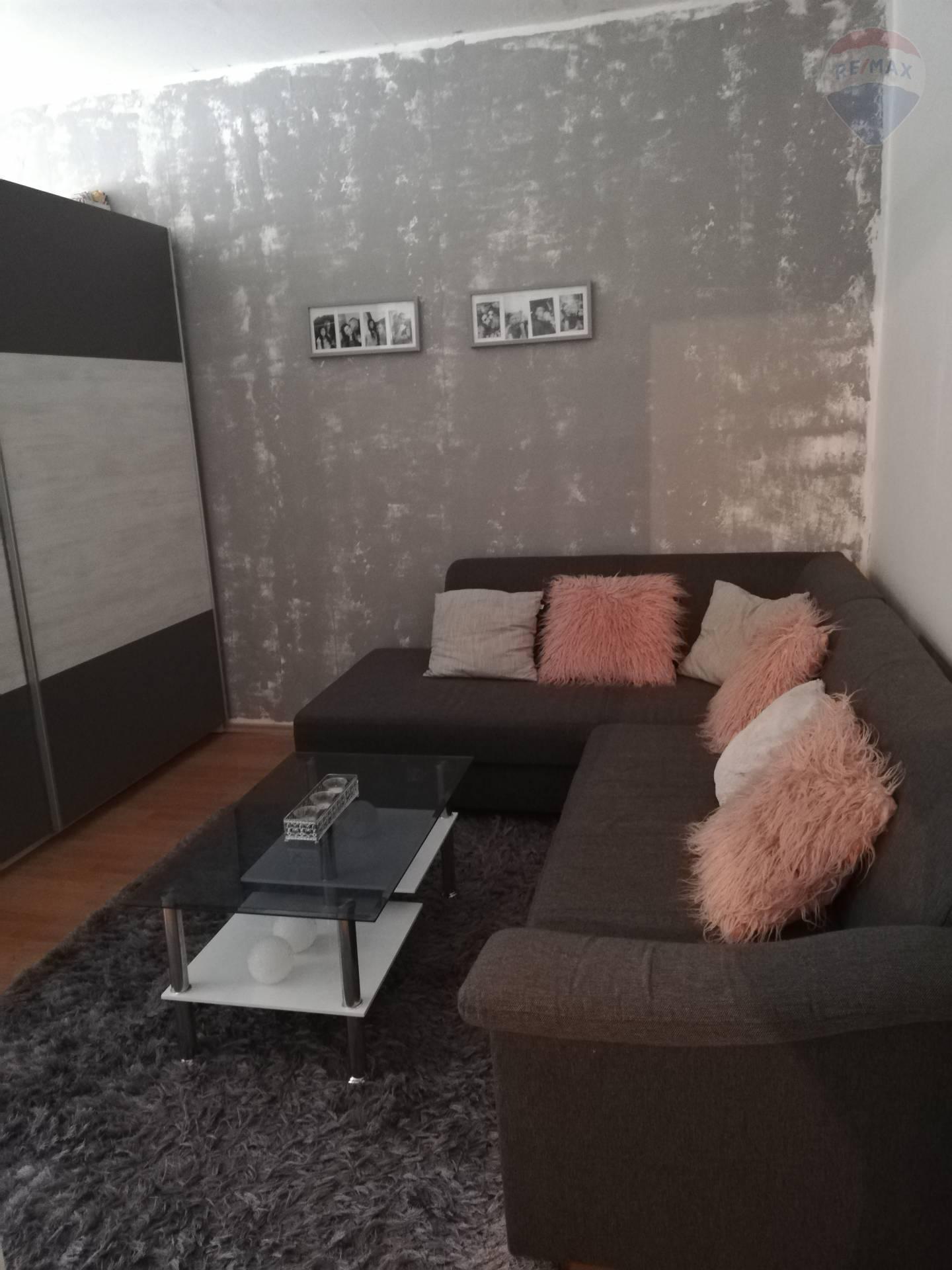 Predaj veľký 2 izbový byt Perecká ulica Levice EXKLUZÍVNE