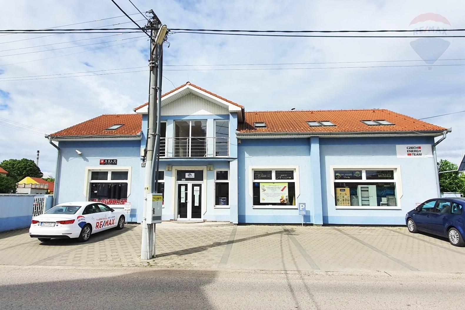 Na predaj polyfunkčná budova v širšom centre mesta Šurany.