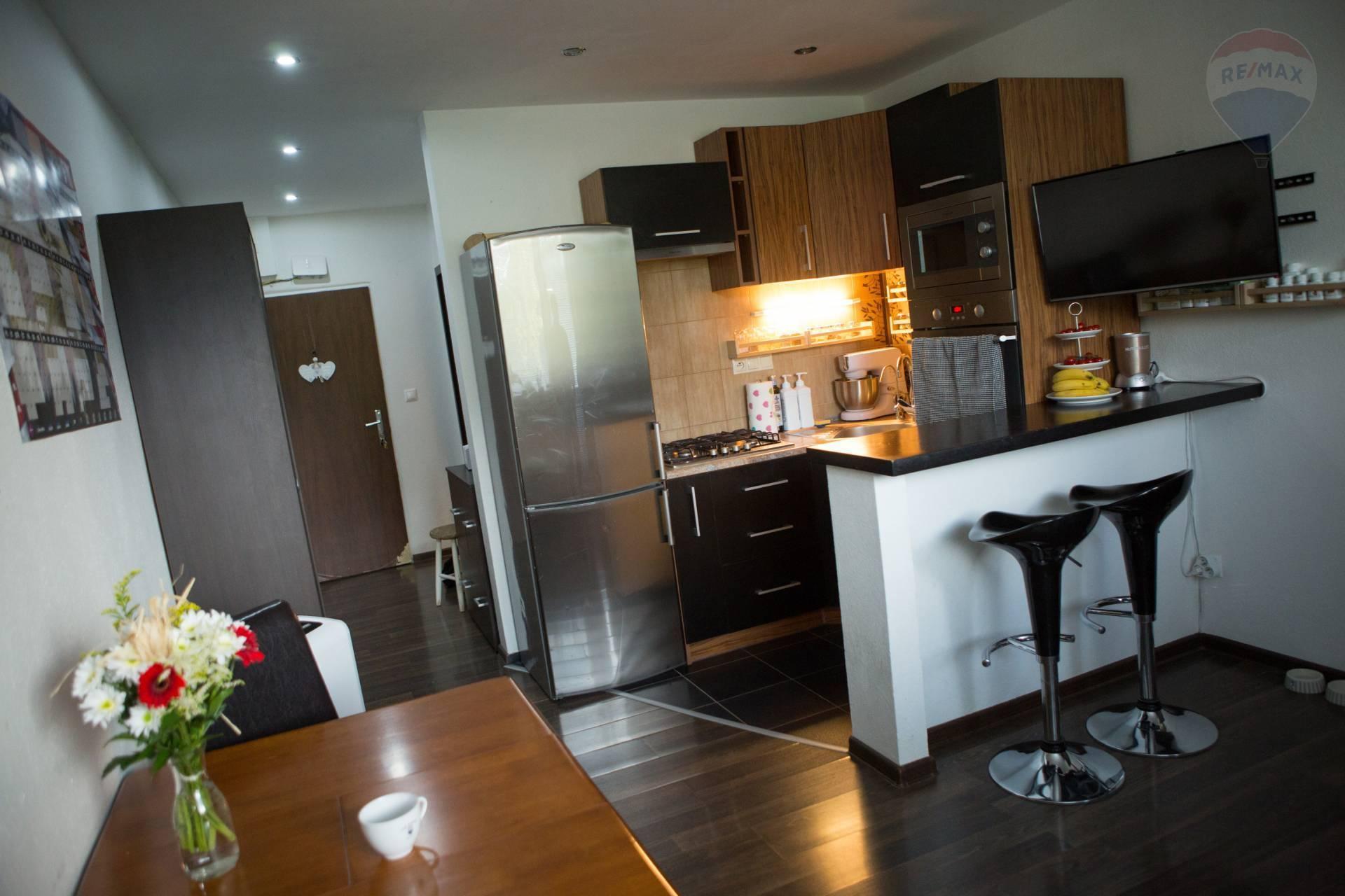 predaj 1 izbový byt Nitra, 2 balkóny, Tr. A. Hlinku EXKLUZÍVNE