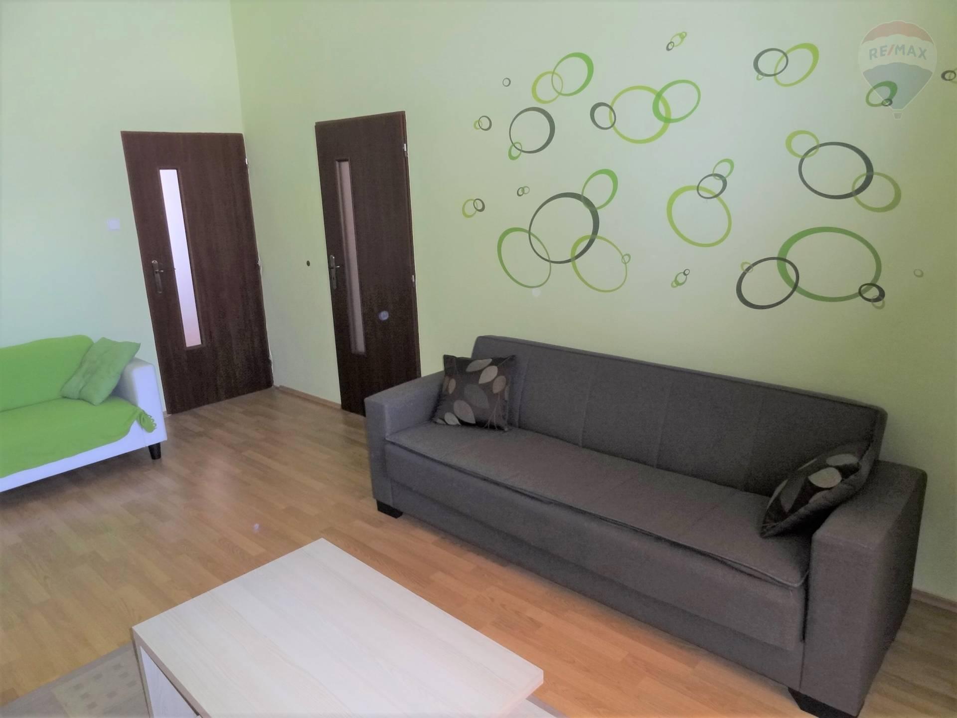 Prenájom 2 izbový byt, Nitra, Farská ul.