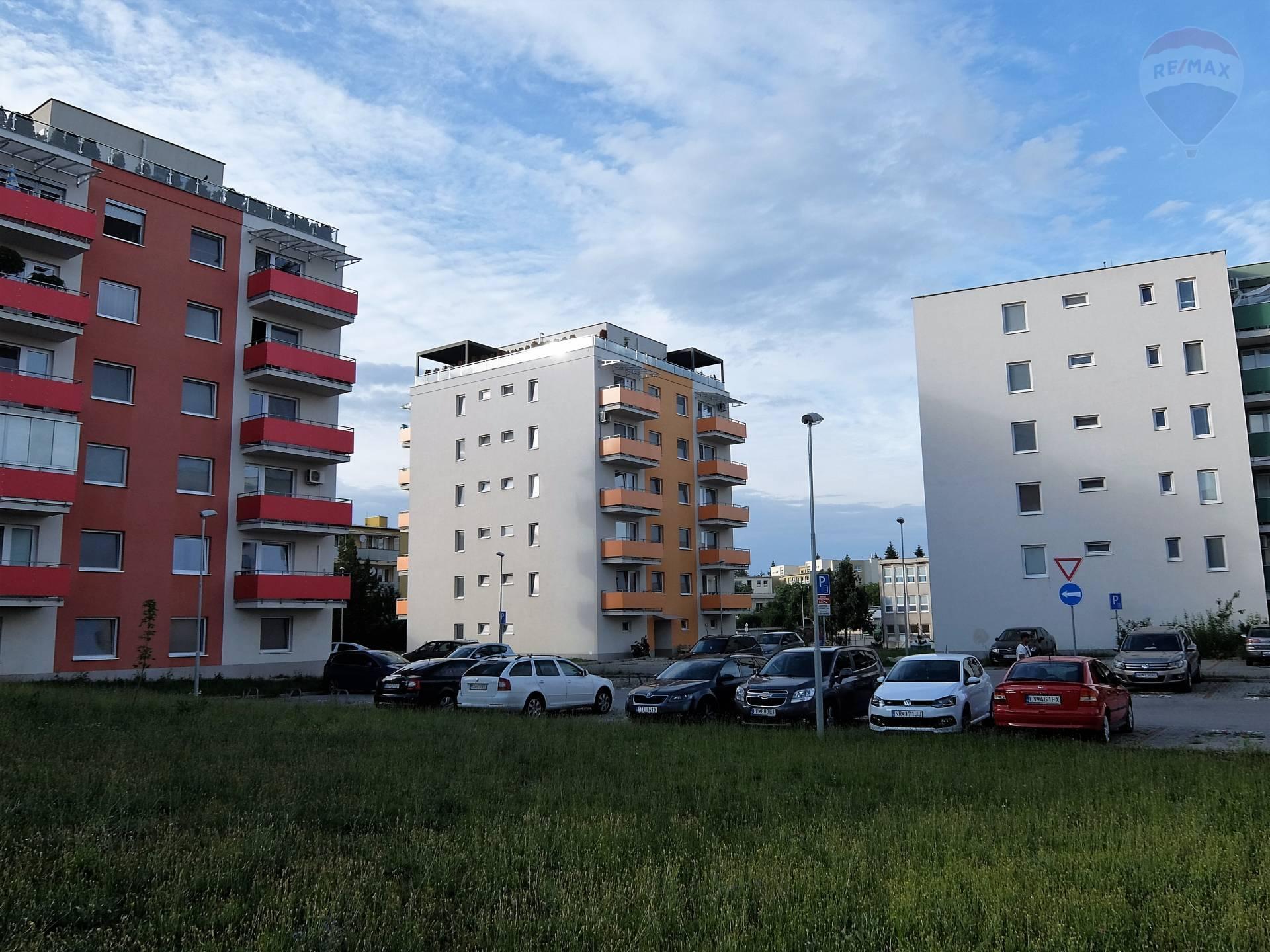 Prenájom 1 izbový byt čermáň - Nitra/Dúhové bývanie