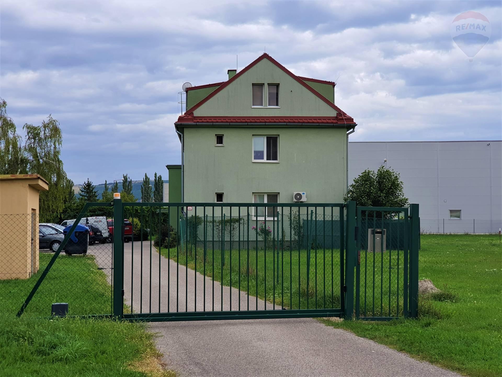 3-izb. veľkometrážny byt v pôvodnom stave, Nitra – Štúrova ul.