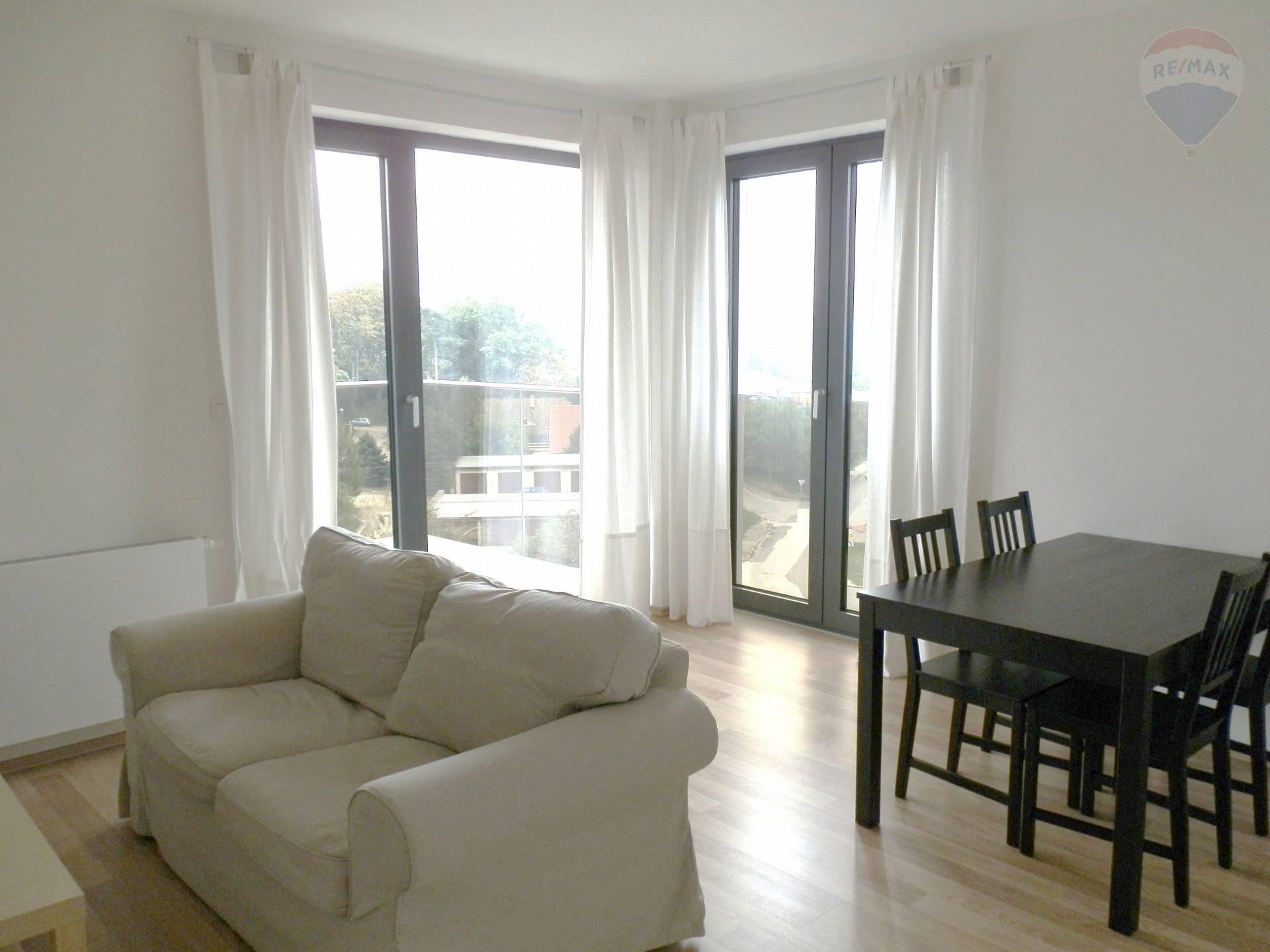 Prenájom novostavba 2 izbový zariadený byt Nitra s garážovým státím