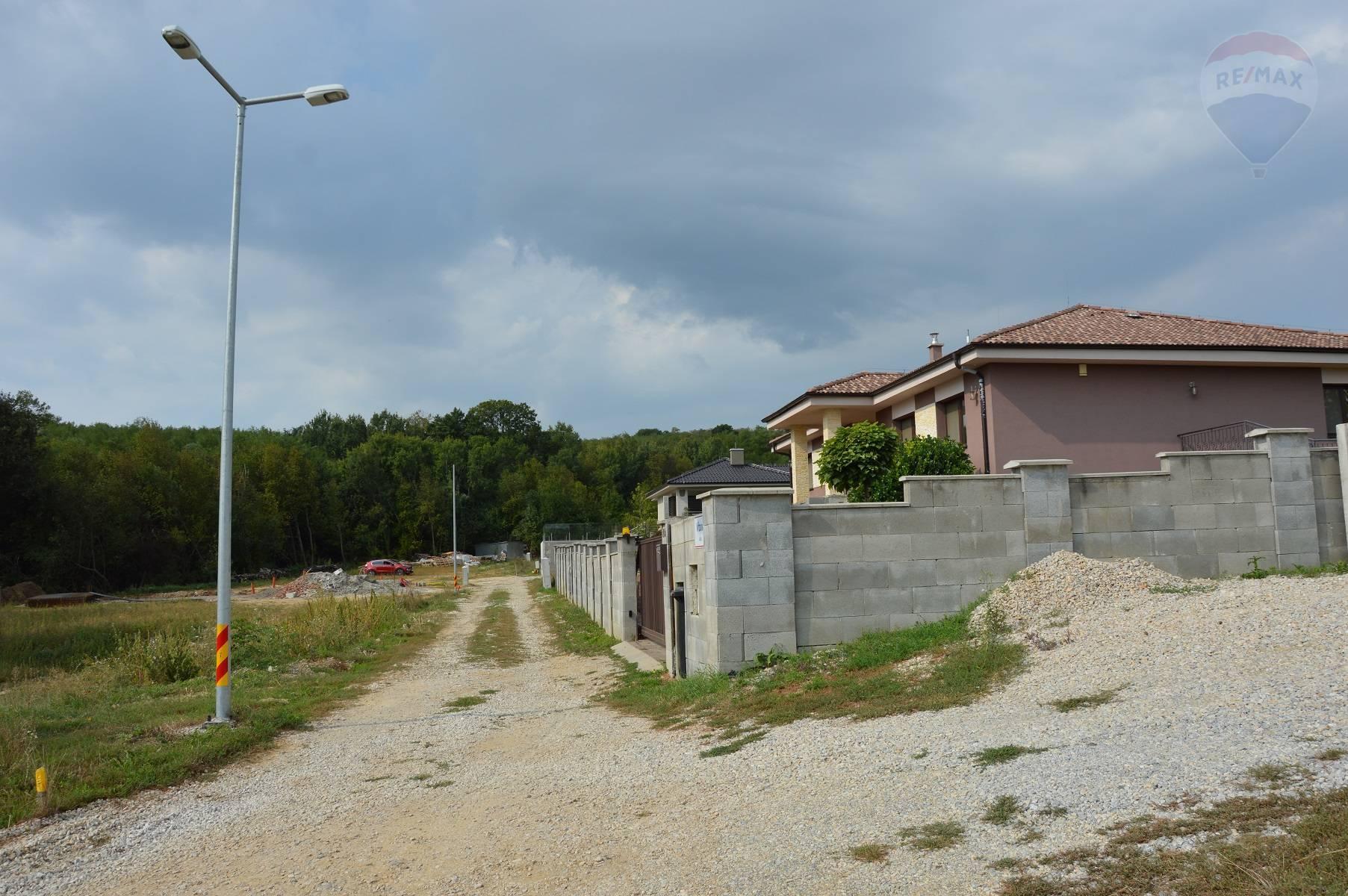 Predaj stavebný pozemok Malý Lapáš