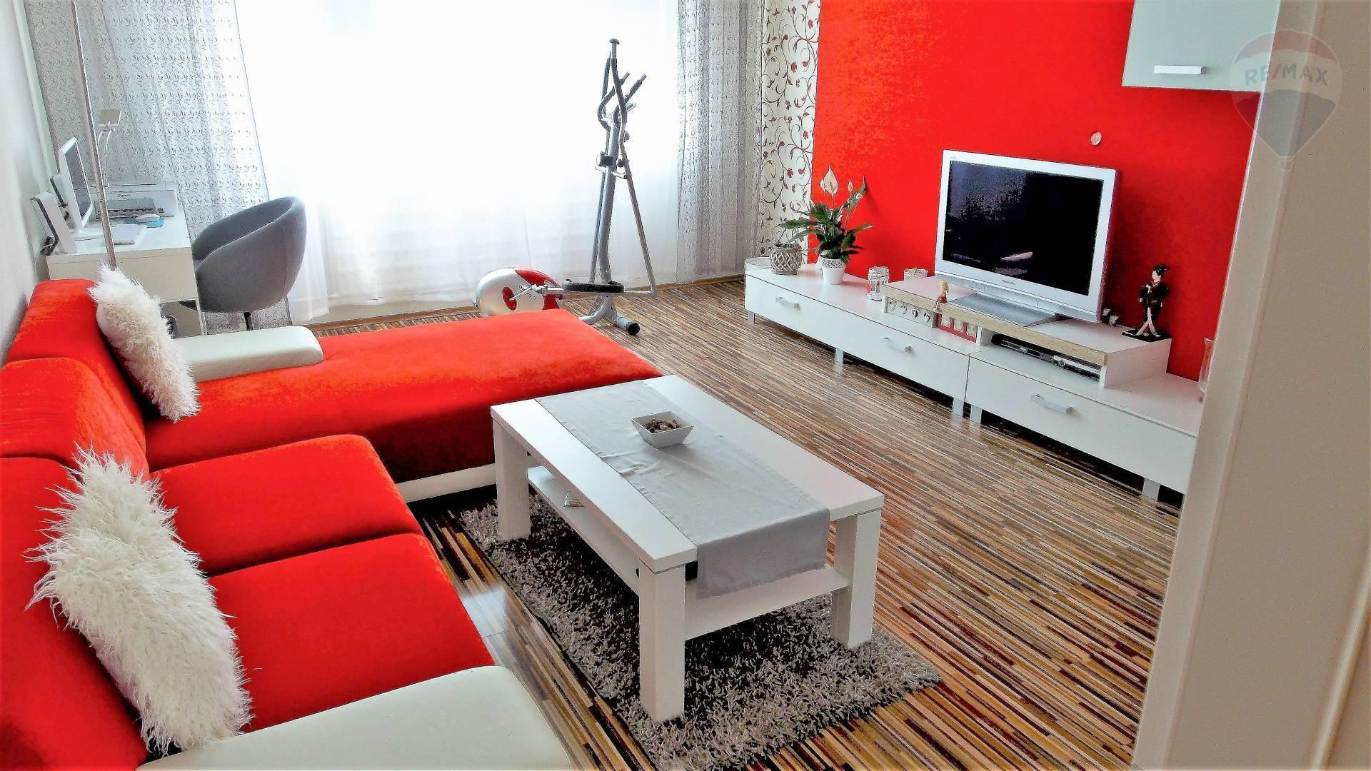 PREDÁM - 3 ibový byt, Topoľčany, sídlisko JUH, balkón, J.Alexyho