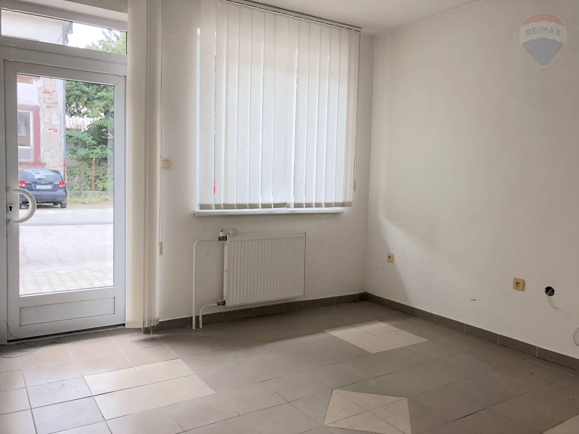 Predaj komerčného objektu 285 m2, Topoľčany -