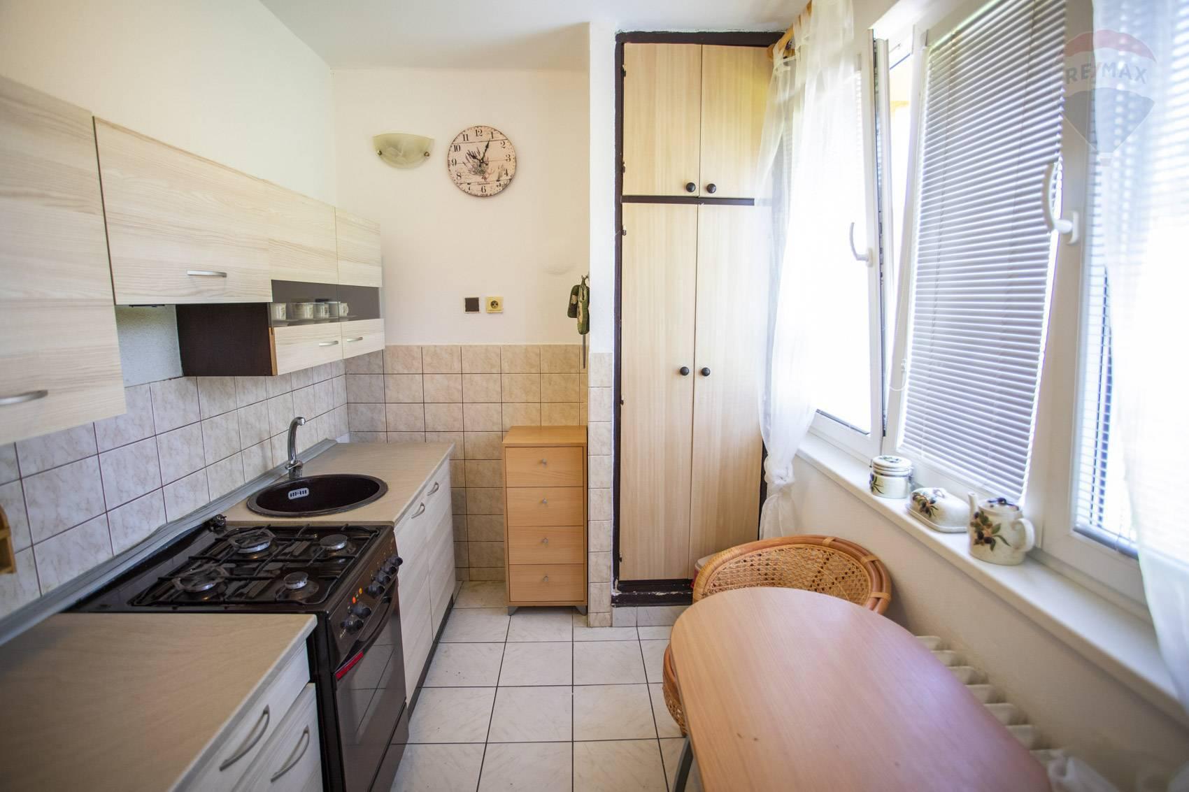 Predaj bytu (1 izbový) 36 m2, Topoľčany -