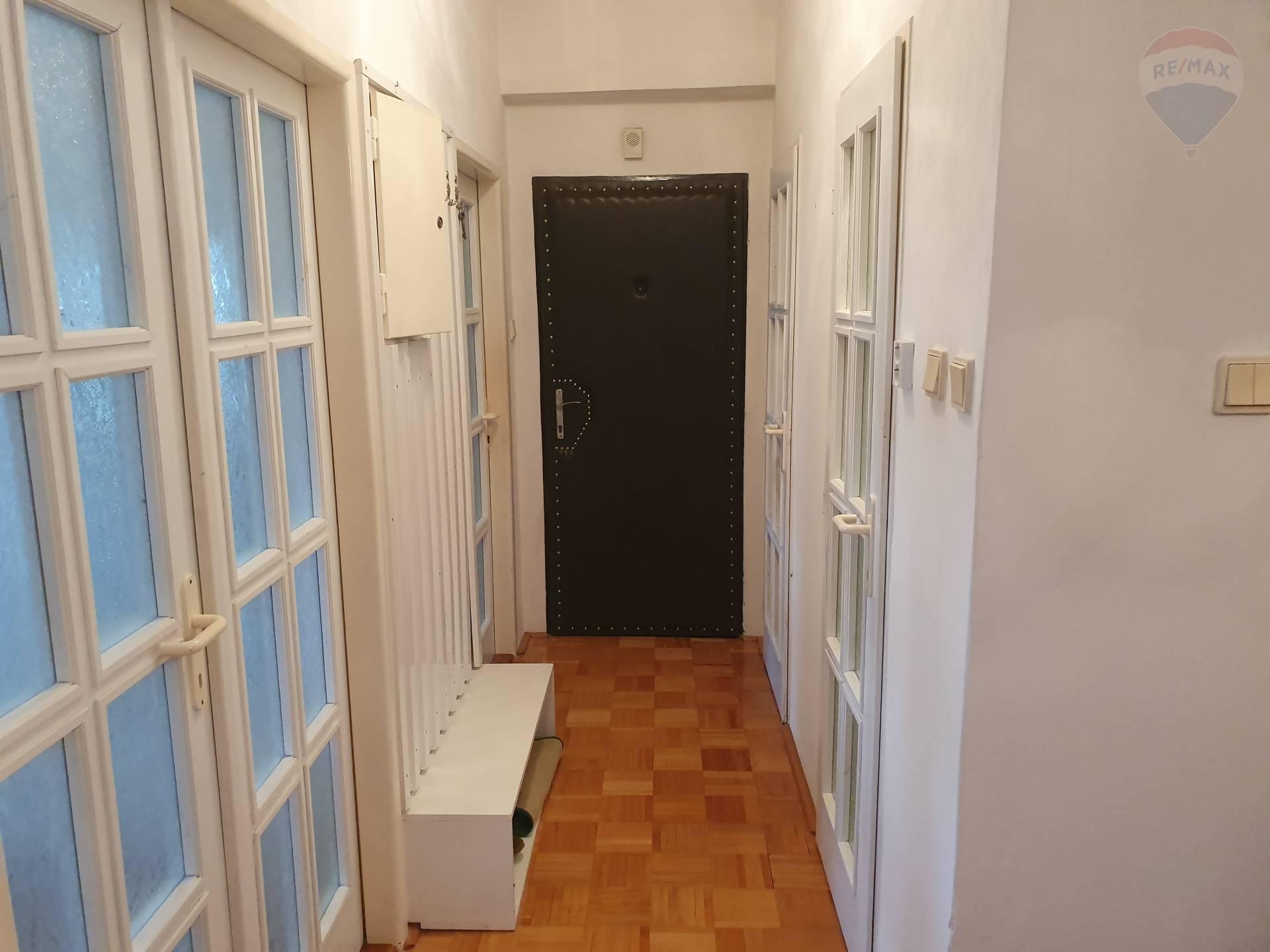 Predaj bytu (3 izbový) 54 m2, Klátova Nová Ves - predaj 3-izbový byt Klátova Nová Ves, okr. Partizánske