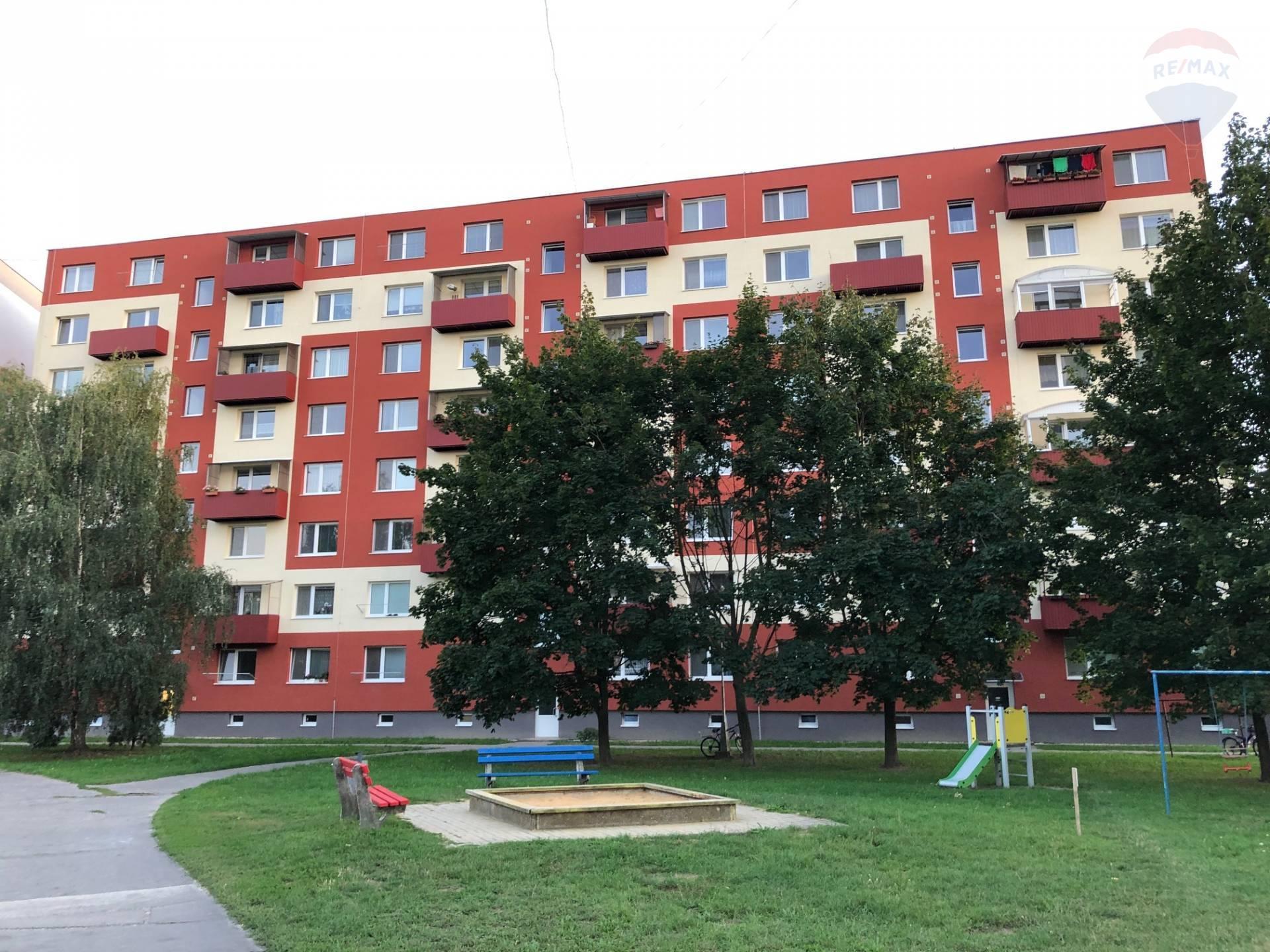Na predaj 3 izbový byt na Veľkej Okružnej v Partizánskom