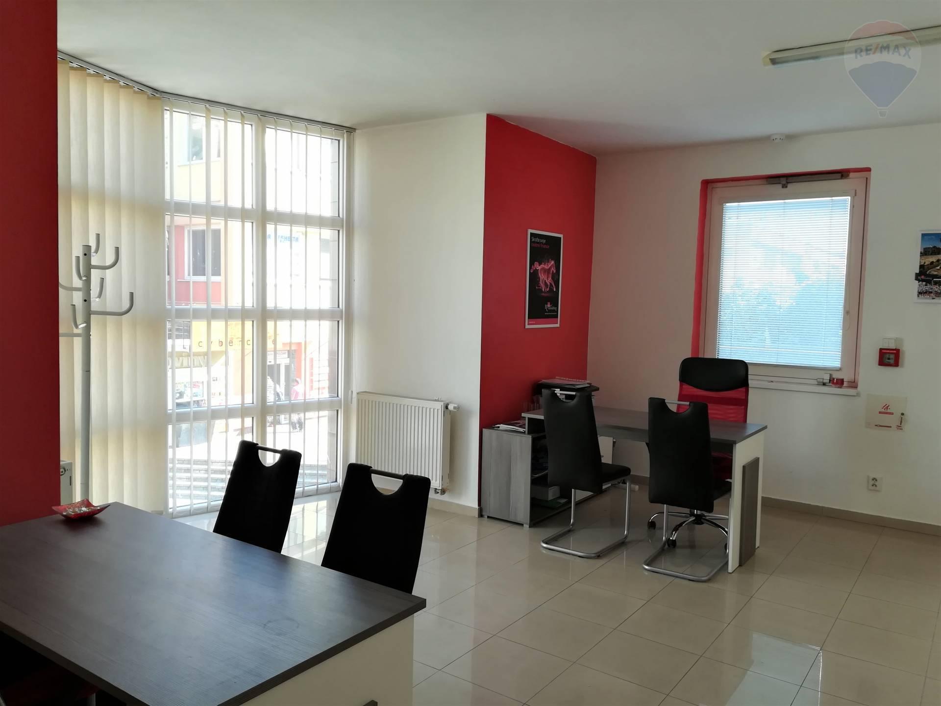 Kancelária na prenájom, centrum Topoľčian