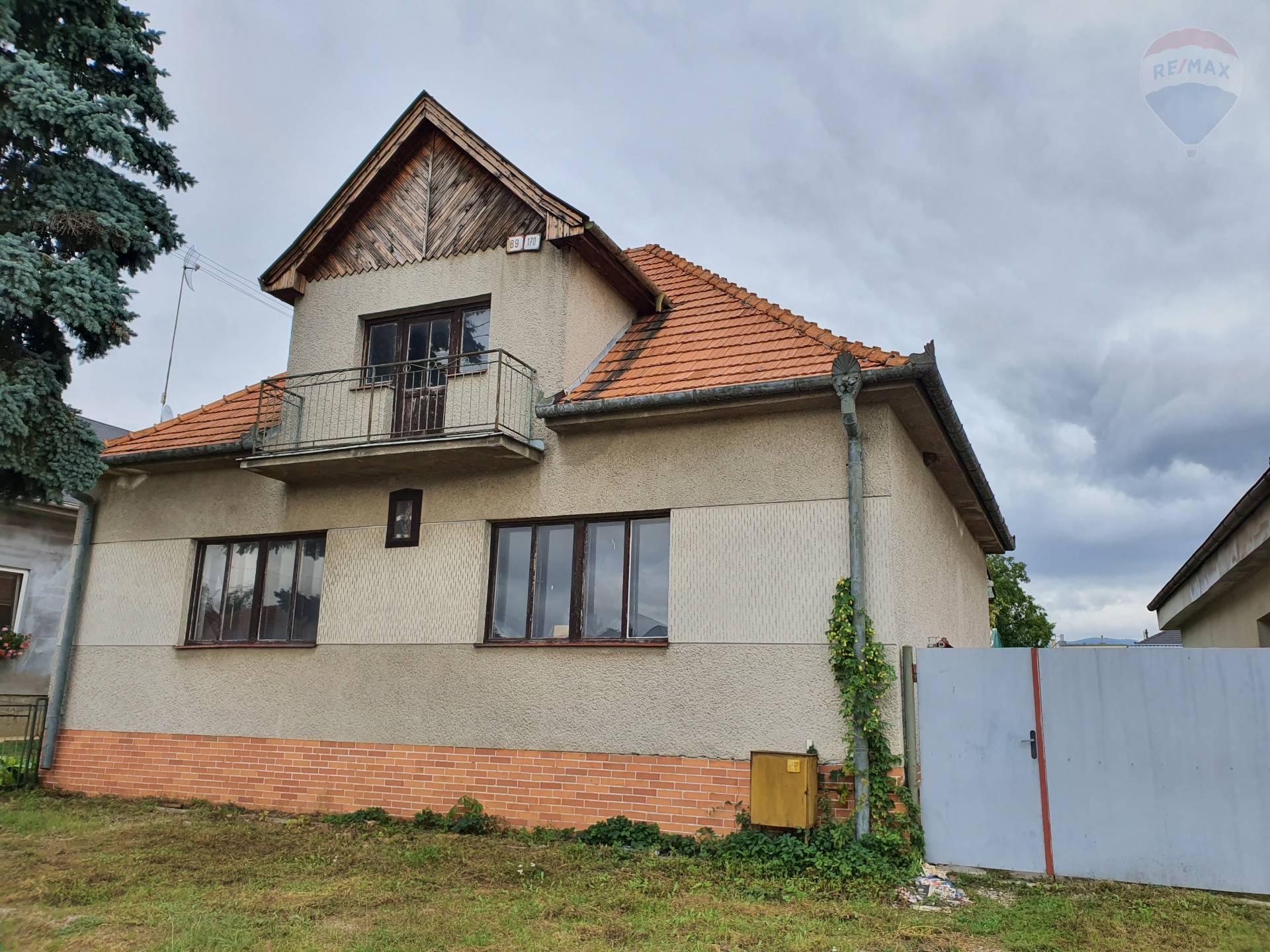 Predám - rodinný dom v Solčanoch,
