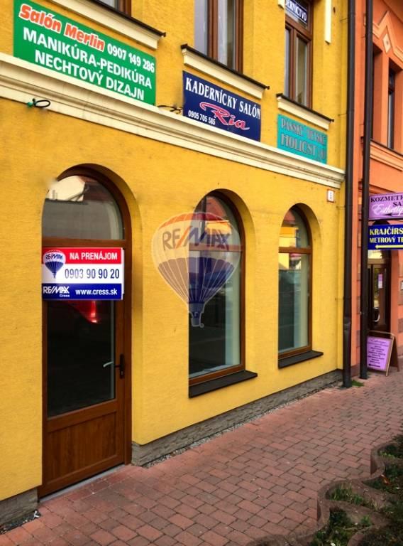 NA PRENÁJOM - obchodné priestory - centrum mesta Topoľčany
