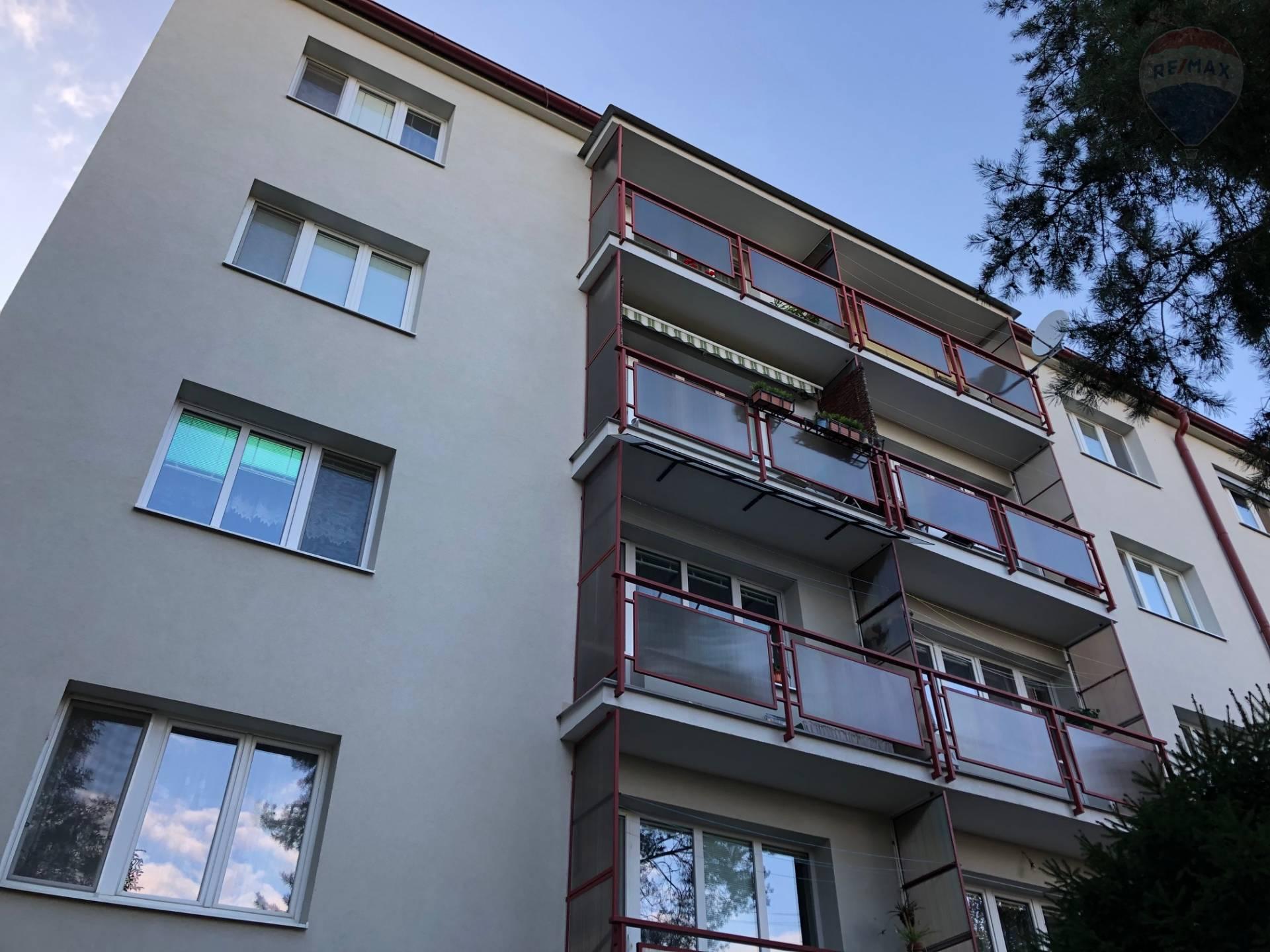Predaj bytu  (3 izbový) 85 m2, Nitra + Garáž