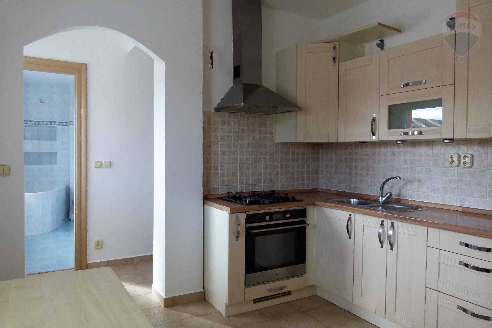 Prenájom bytu (3 izbový) 95 m2, Topoľčany - kuchyňa