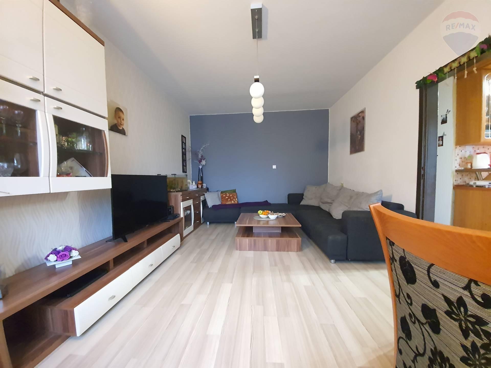 PREDÁM - 3 izbový byt, Topoľčany, balkón, sídlisko JUH
