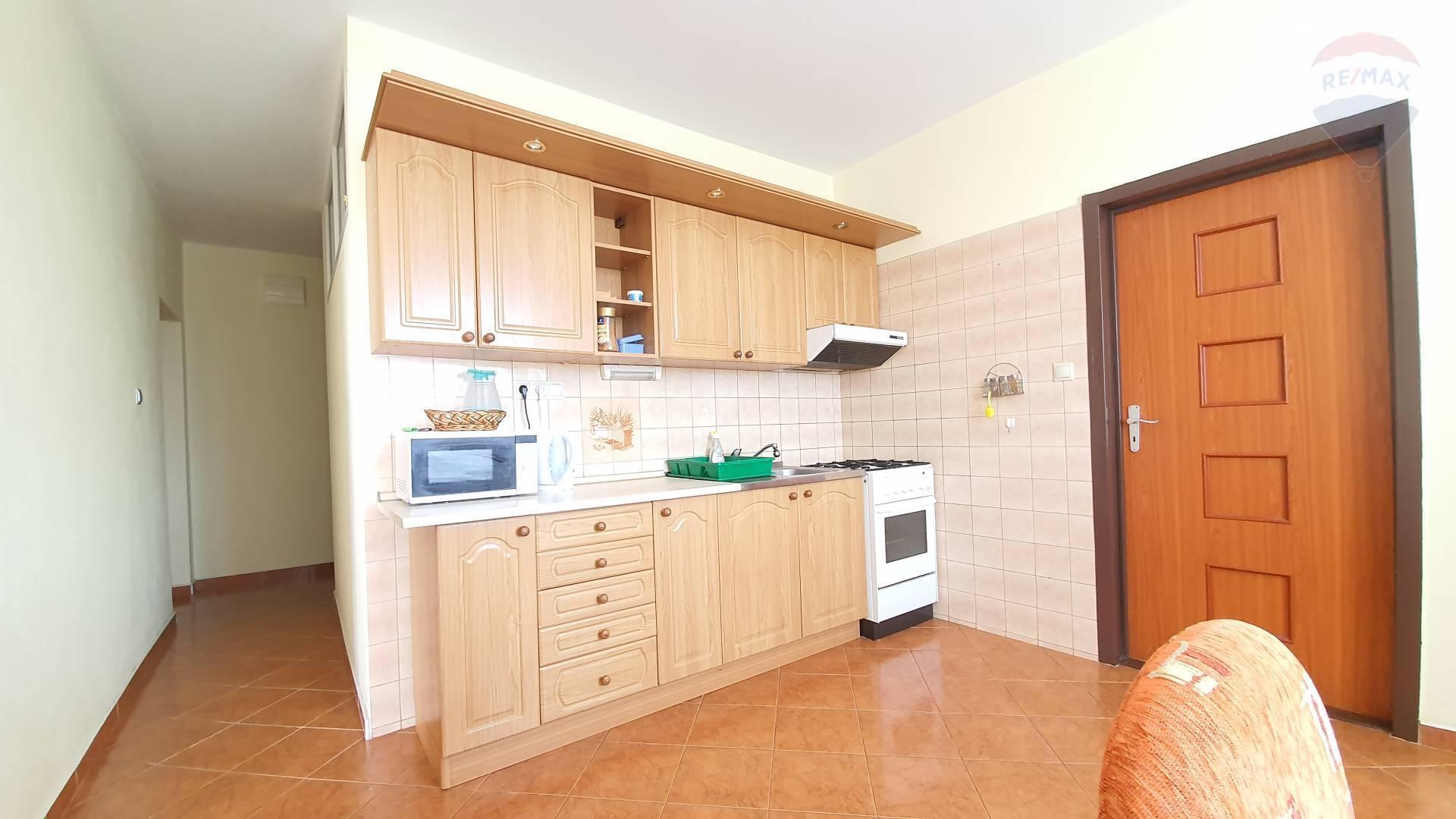 PREDAJ - 3 izbový byt, Topoľčany, balkón, sídlisko Východ,