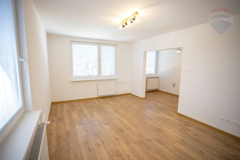 Na predaj - 3 izbový byt po kompletnej rekonštrukcii