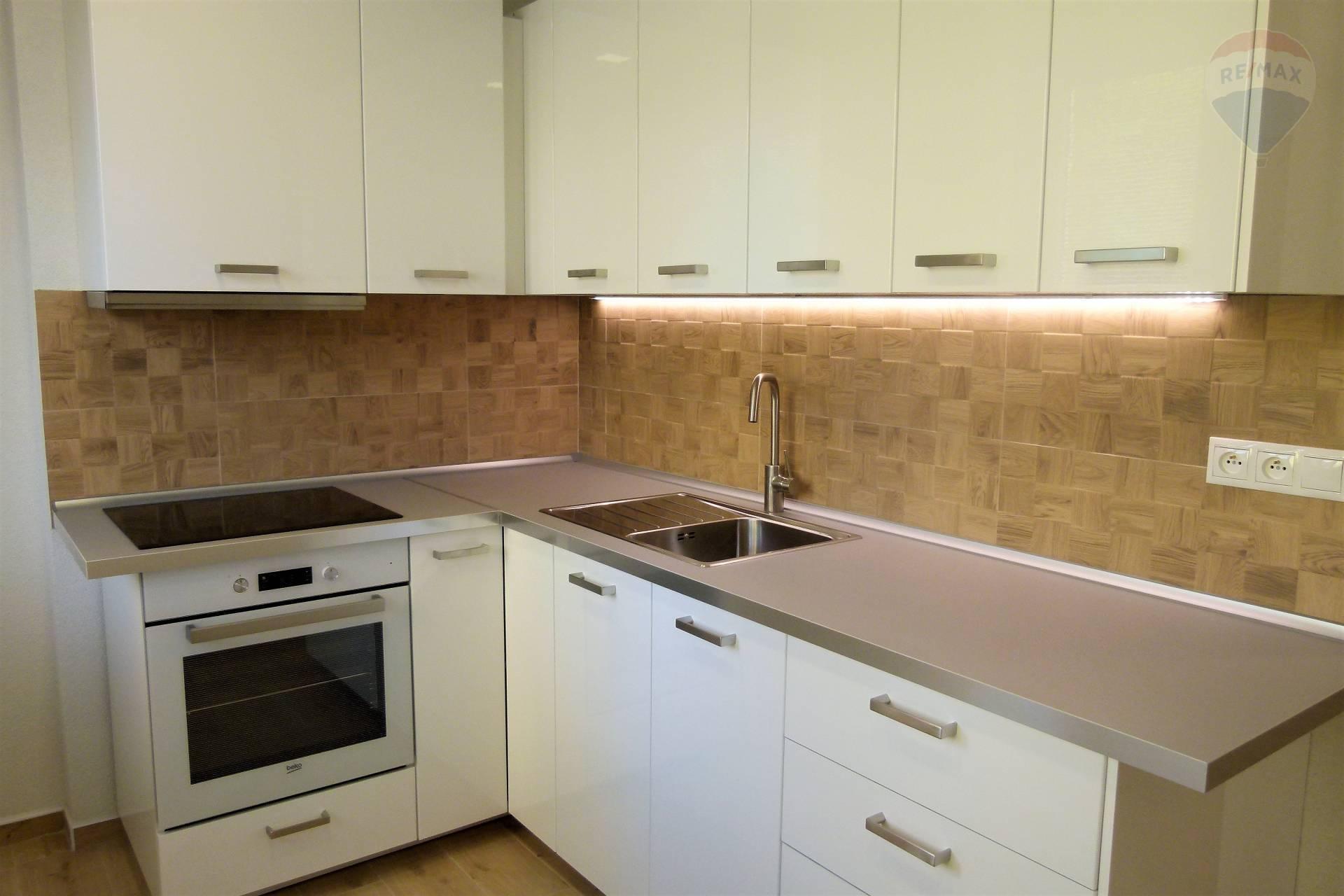 1 izbový byt v Topoľčanoch na Prenájom