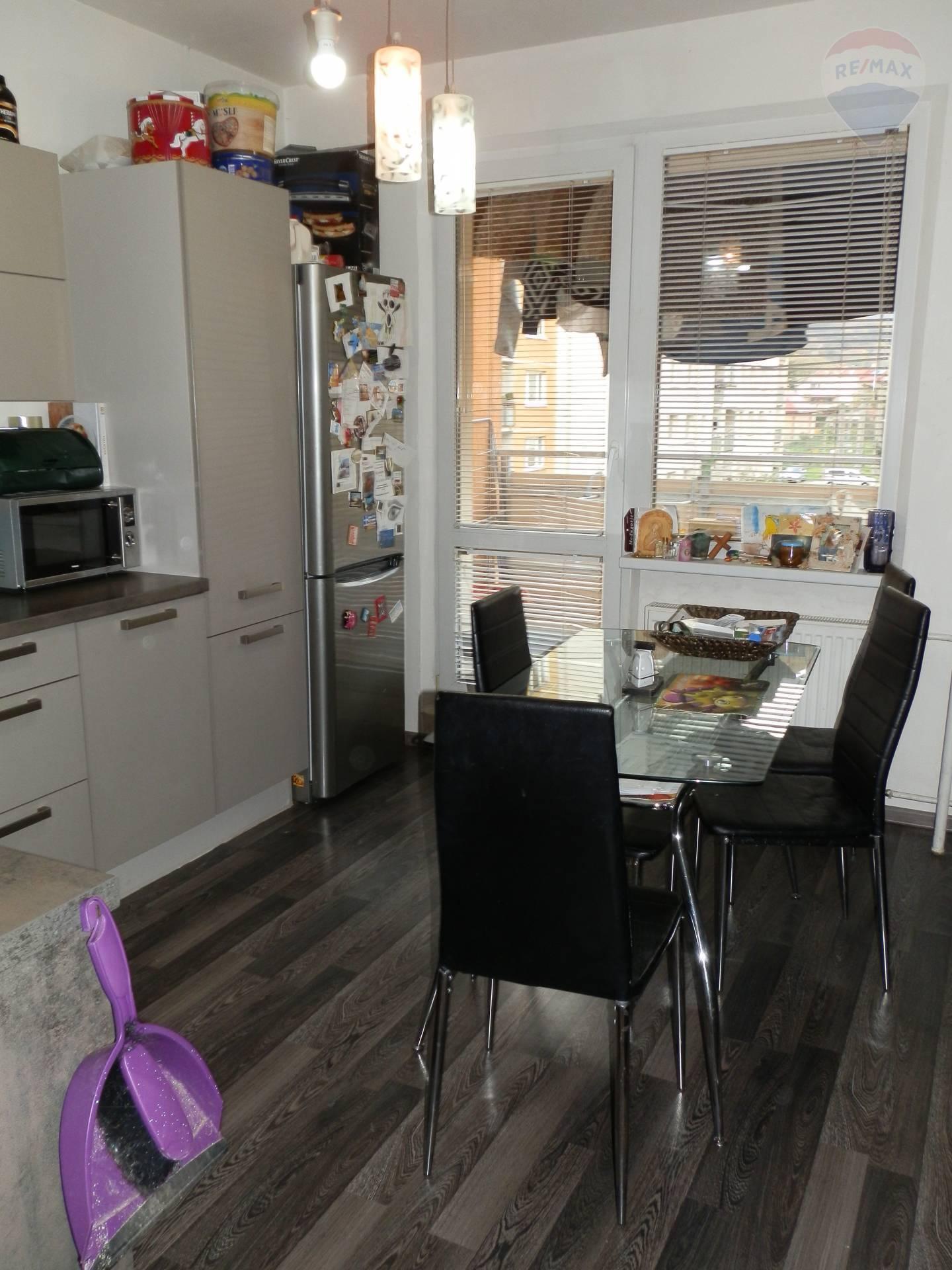 Predaj bytu (4 izbový) 82 m2, Banská Bystrica -