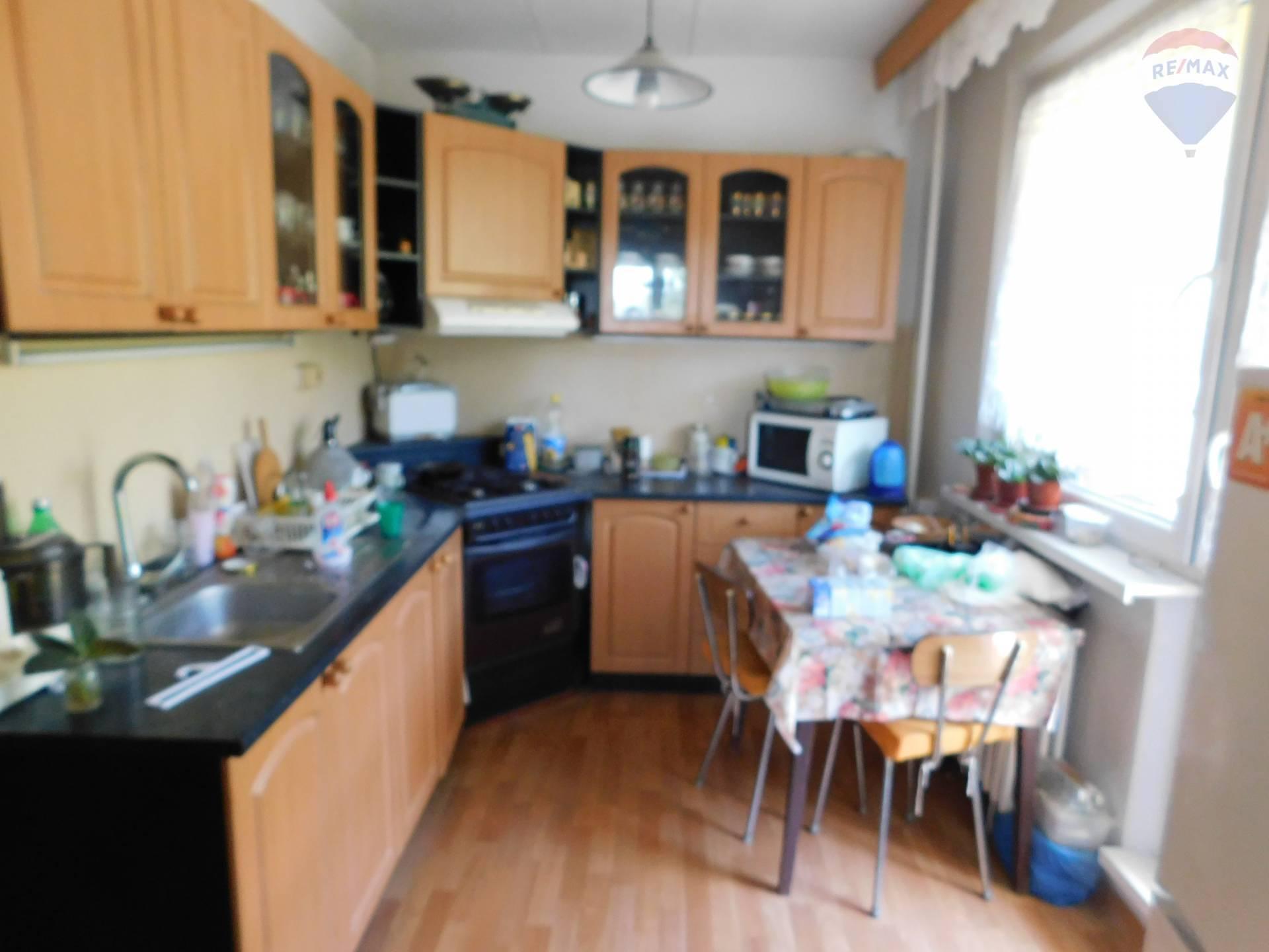 Predaj bytu (3 izbový) 79 m2, Banská Bystrica - Kuchyňa