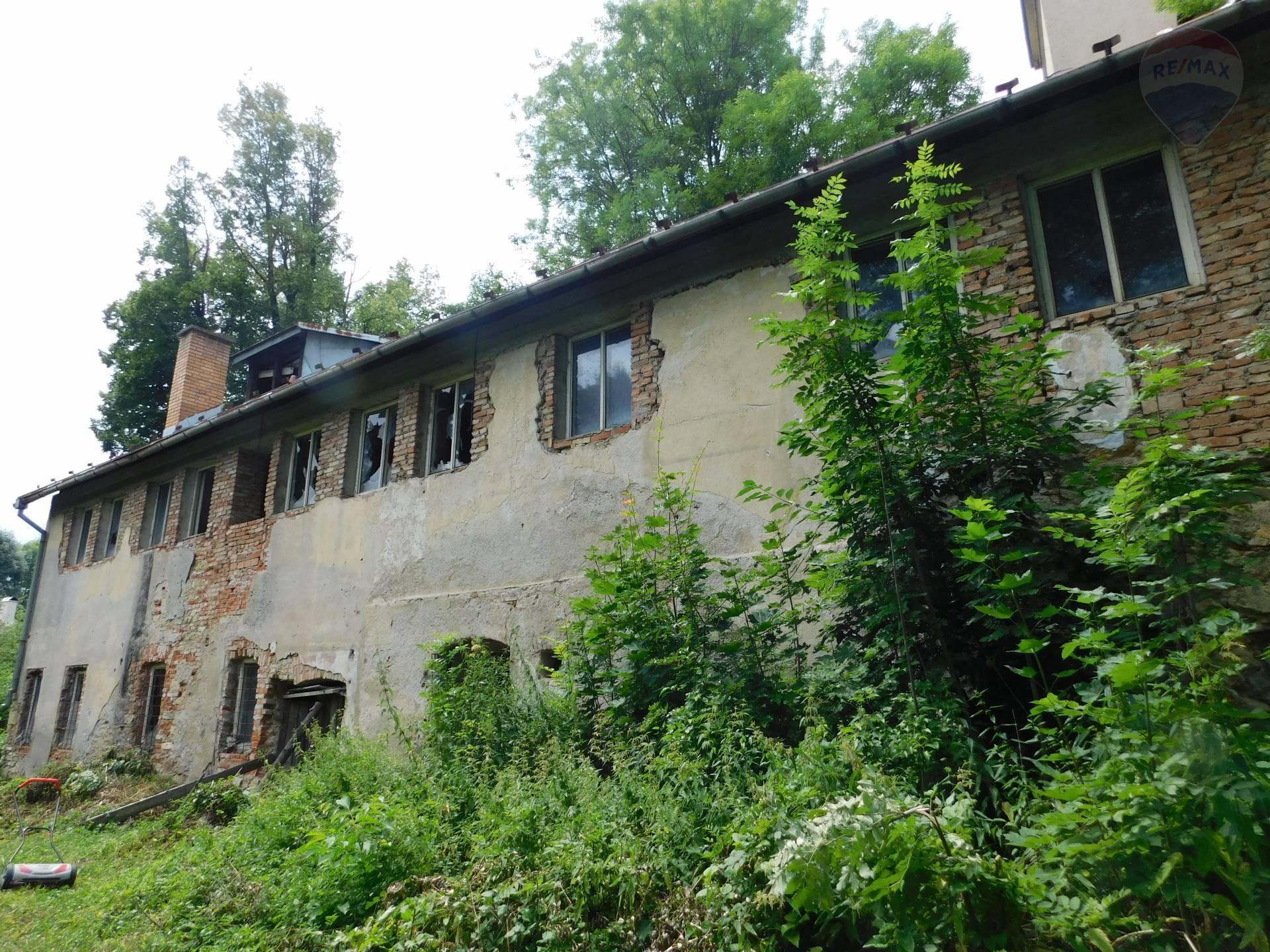 Predaj domu s rozľahlým pozemkom - Banská Bystrica