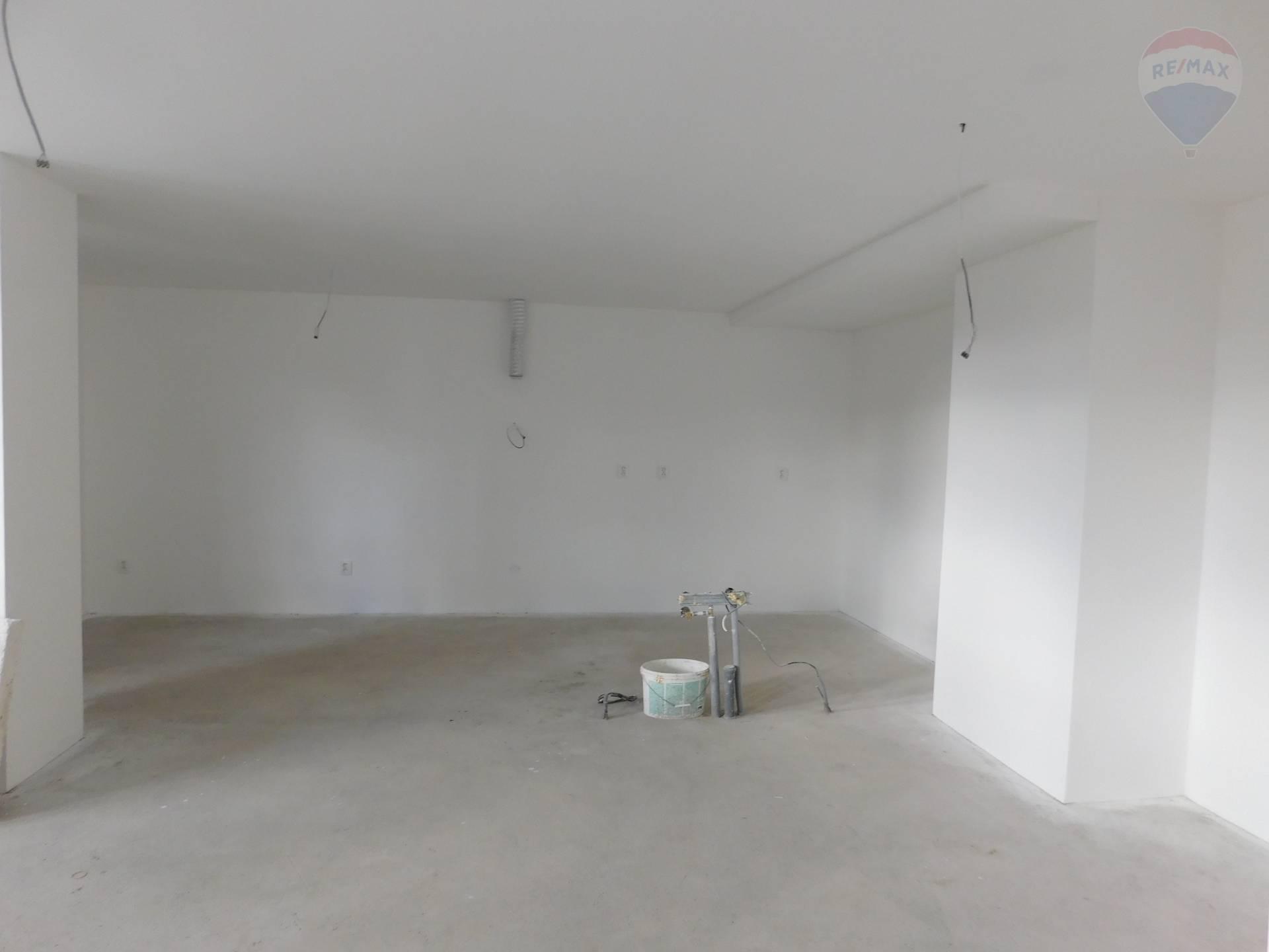 Predaj priestranného 3i bytu Banská Bystrica
