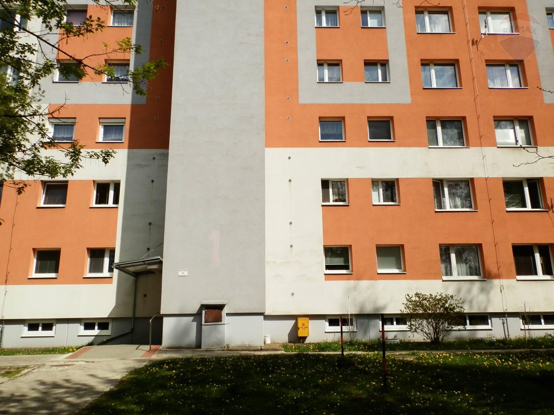 PREDAJ 1 izbového bytu - Sásová, Banská Bystrica