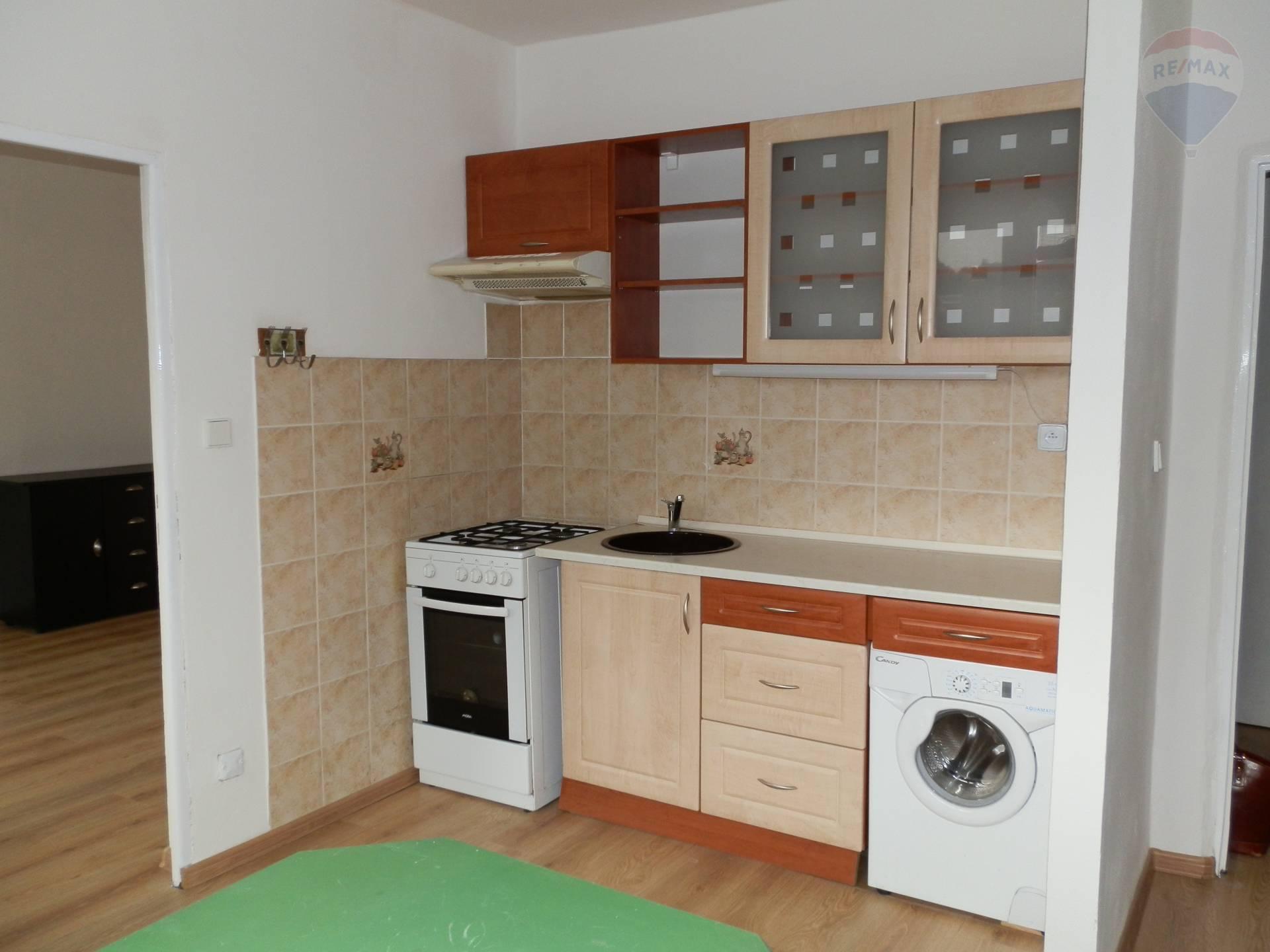 PRENÁJOM - 1 izbového bytu - centrum Banská Bystrica