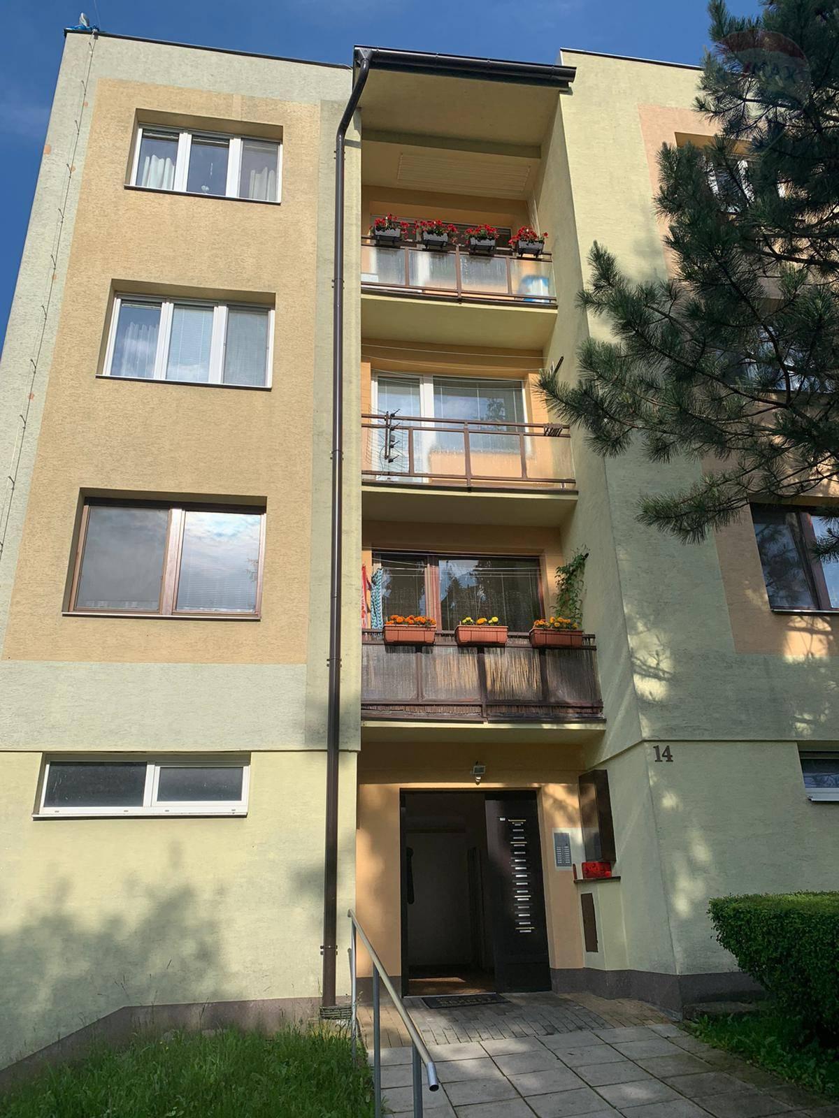 PREDAJ - 3 izbového bytu - Banská Bystrica
