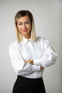 Mgr. Dóra Szabó