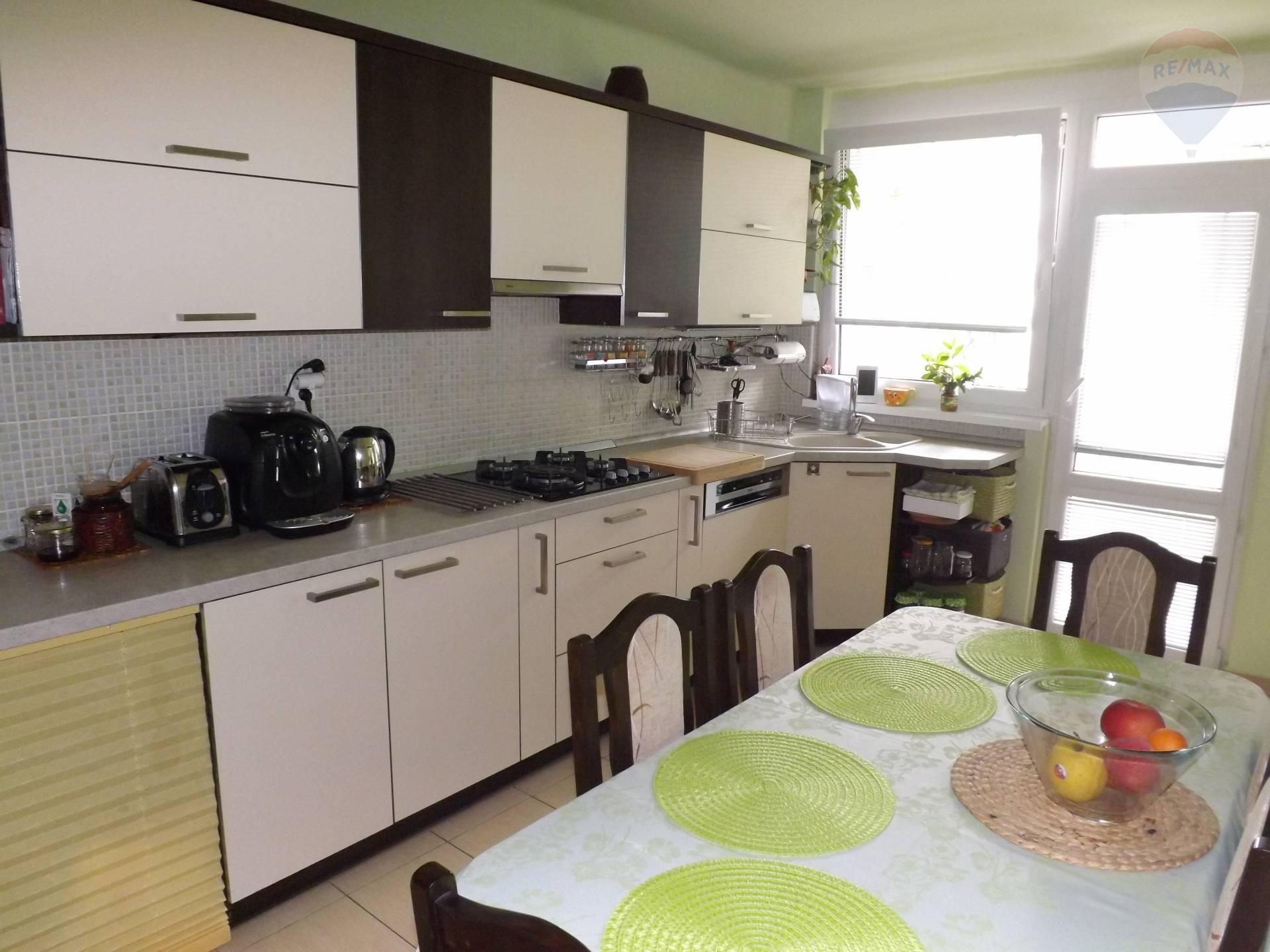 Na predaj 3 izb. byt, 63 m2, loggia, sídl. M. Corvína, Veľký Meder