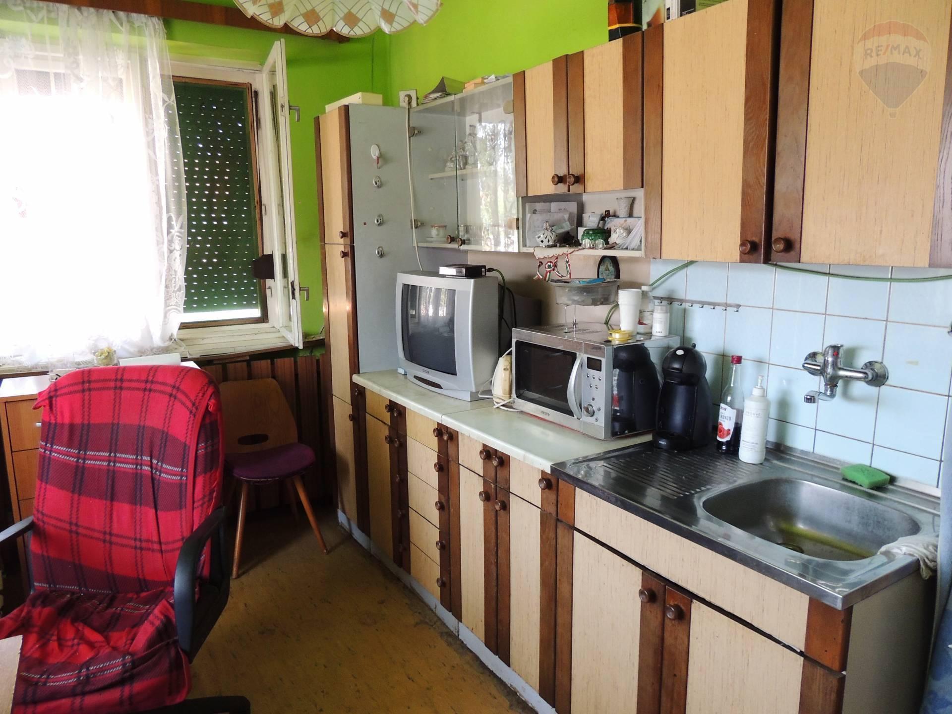 Predaj domu 192 m2, Horná Potôň -