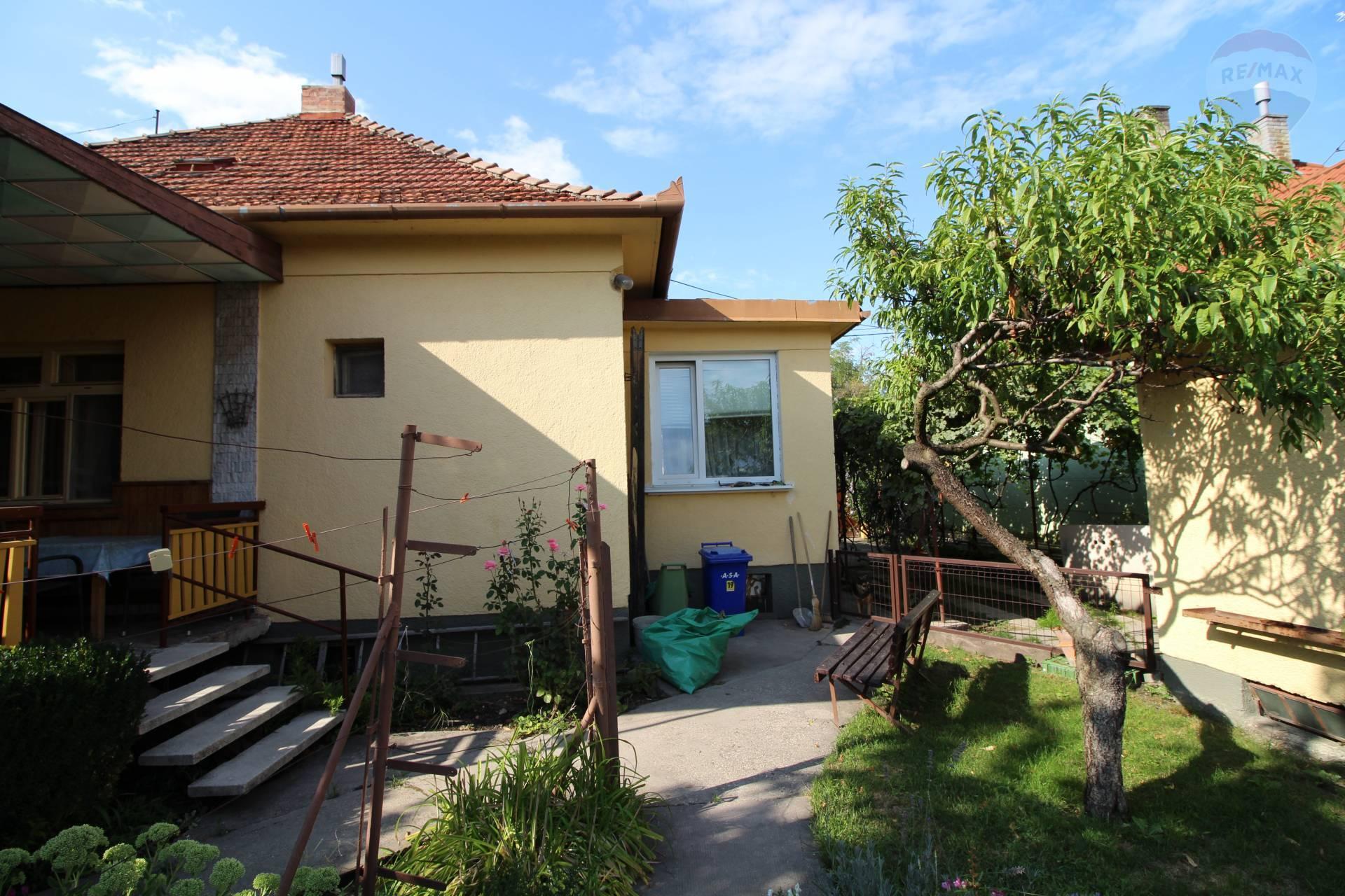 Predaj: 4-izbový rodinný dom , čiastočná rekonštrukcia, Dunajská Streda