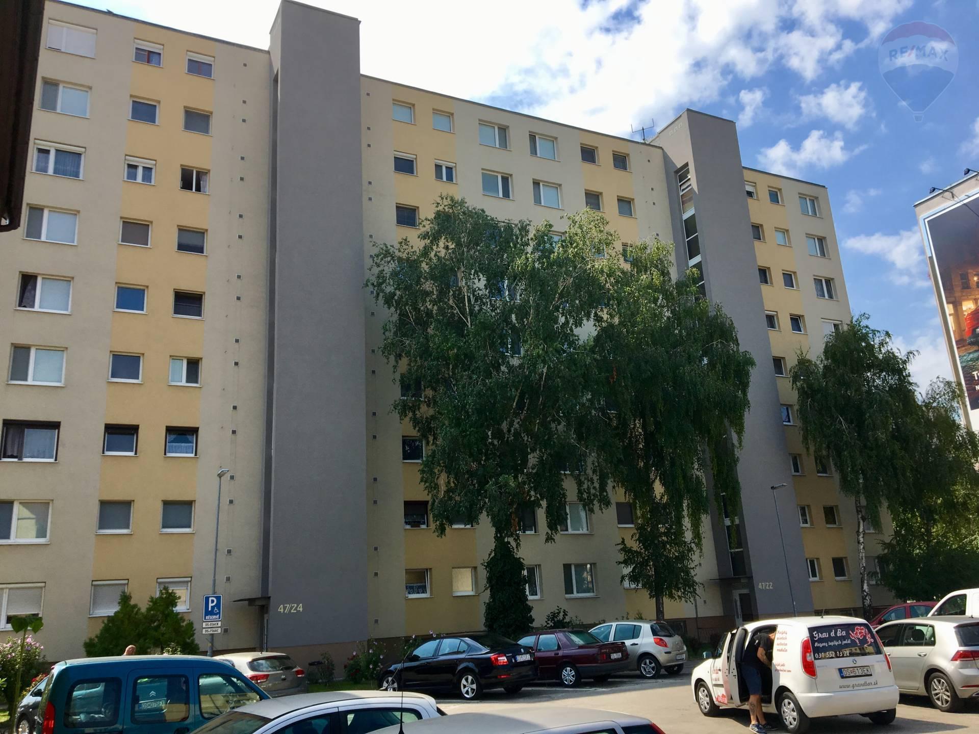 Predaj: 3i byt  v centralnej lokalite mesta Dunajská Streda za dobrú cenu.