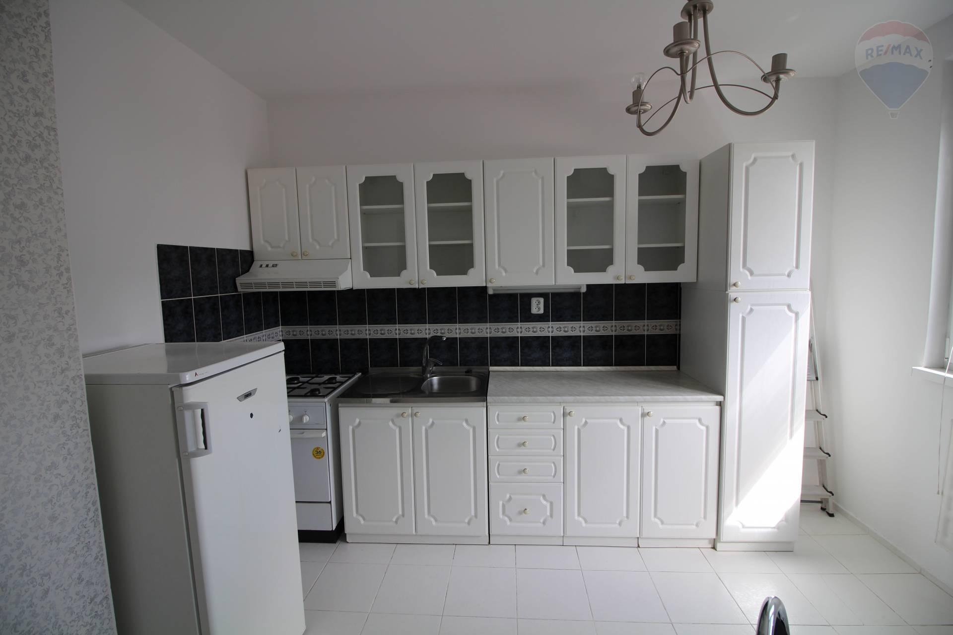 Predaj: 1-izbový byt, čiastočná rekonštrukcia, Nová Ves, Dunajská Streda