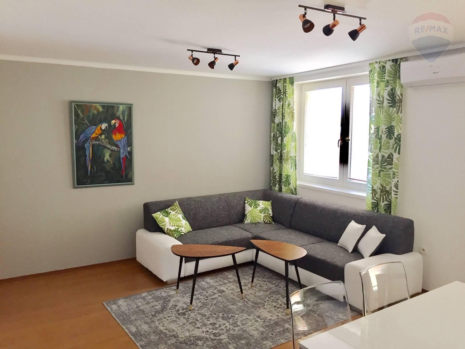 Na predaj 3 izbový byt, 65 m2, Veľký Meder