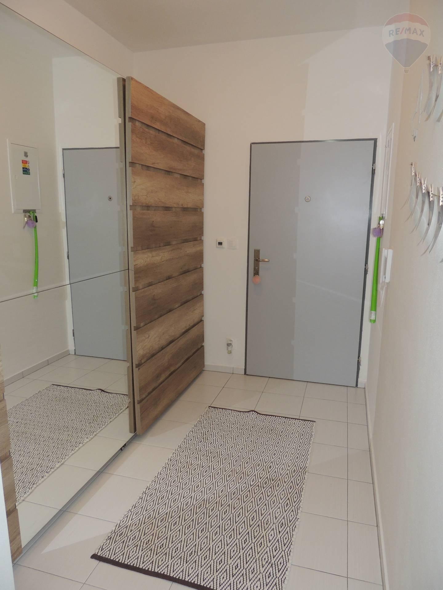 Na predaj: 2 izbový byt, Čierny Brod, Novostavba