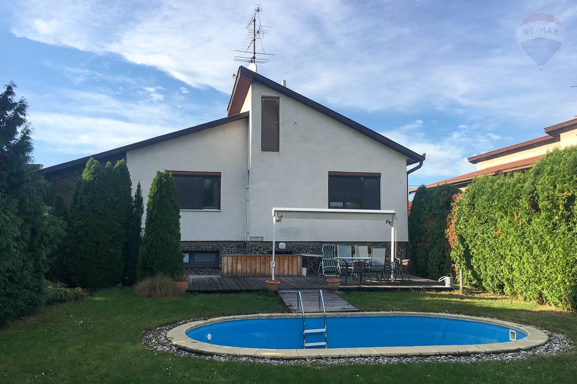 Predaj: 6-izbový rodinný dom, rozsiahla rekonštrukcia, Horná Potôň, okres Dunajská Streda