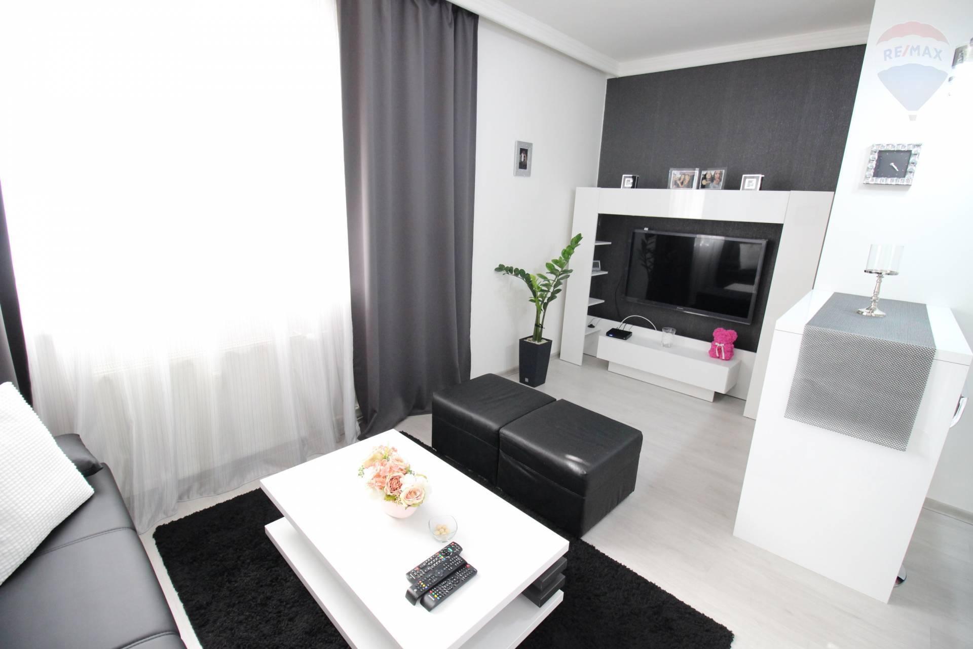 Prenájom: 1 izbový byt, centrum mesta, kompletná rekonštrukcia + zariadenie, Dunajská Streda