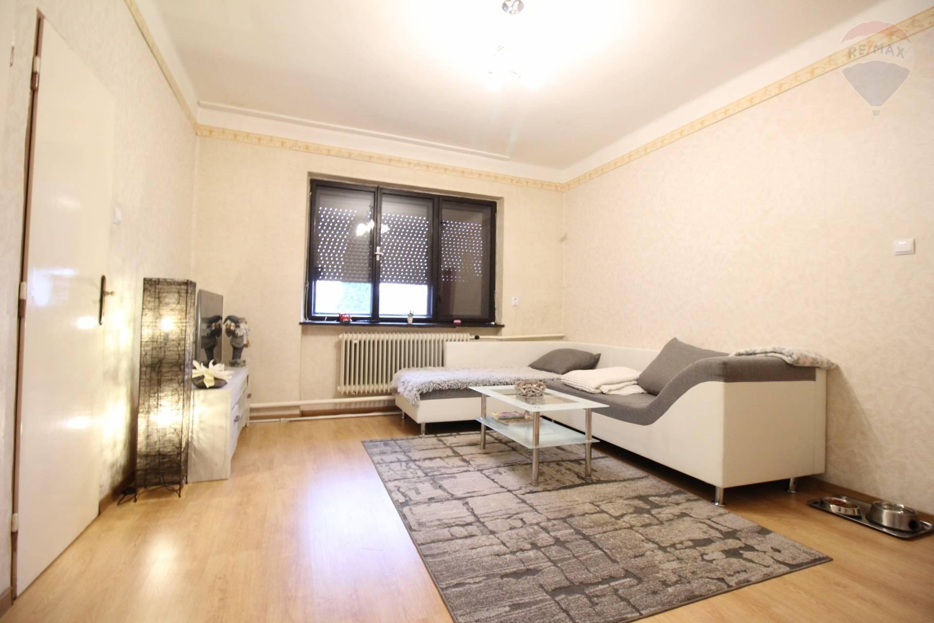 Predaj: Gabčíkovo , 4 izbový rodinný dom, kľudná ulica, okres Dunajská Streda