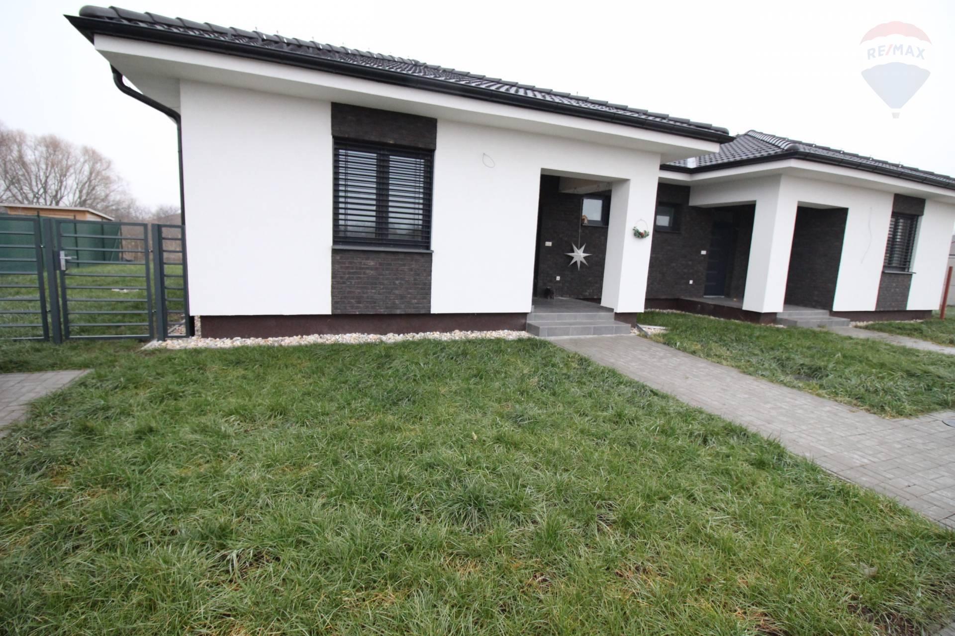 Prenájom: 3 izbový rodinný dom, číastočne zariadený,výborná lokalita, Dunajská Streda