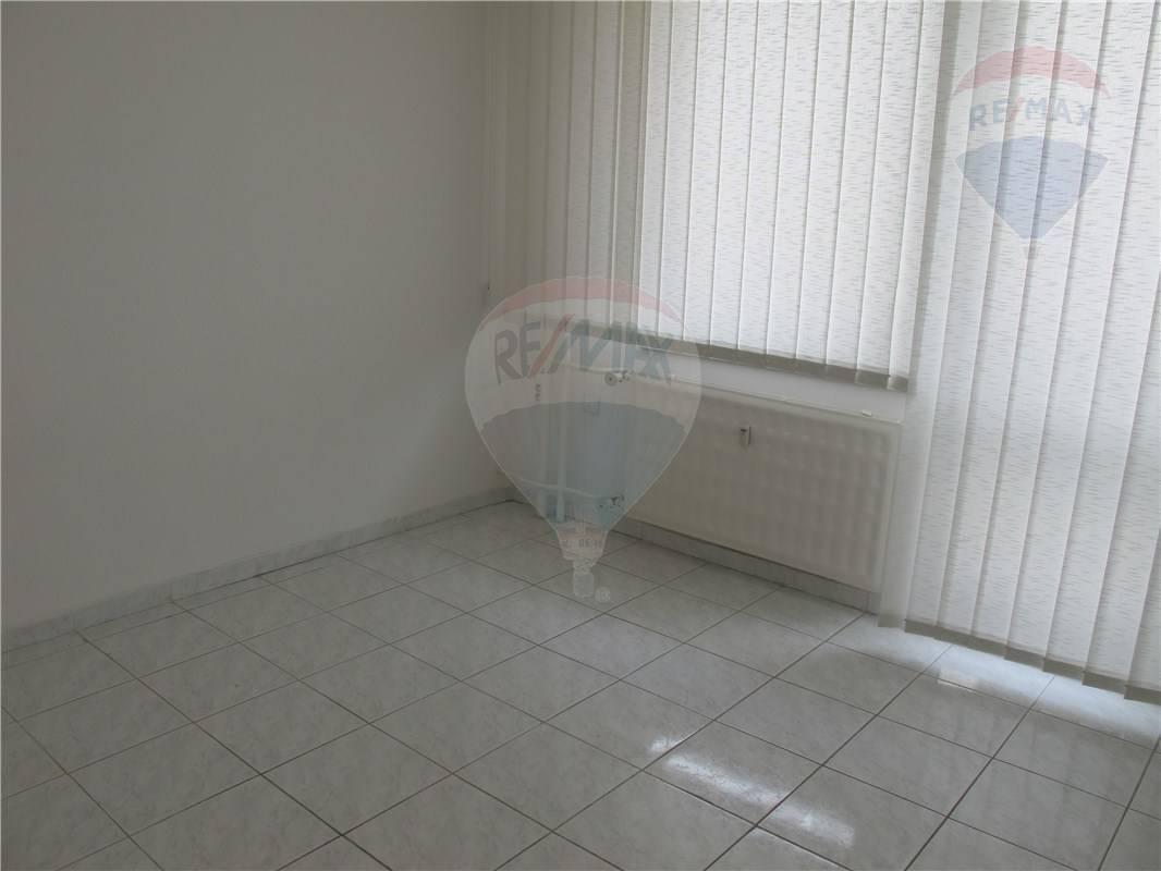 Prenájom: Kancelárske priestory, Dunajská Streda, 40 m2, centrum