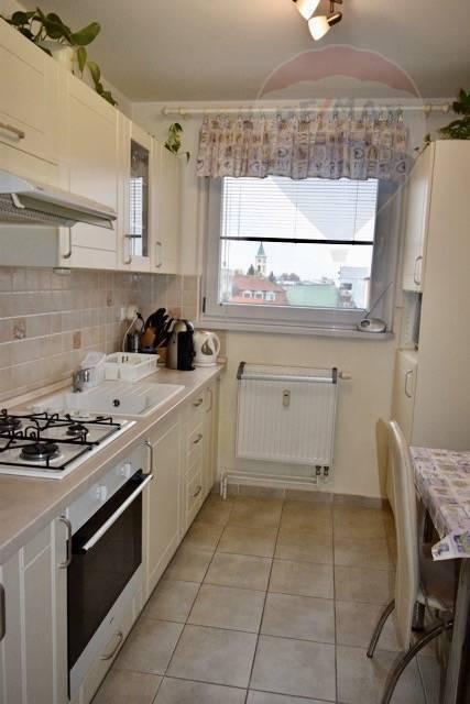 Na predaj 3 izbový byt, 65 m2, loggia, po rekonštrukcii, centrum, Dunajská Streda