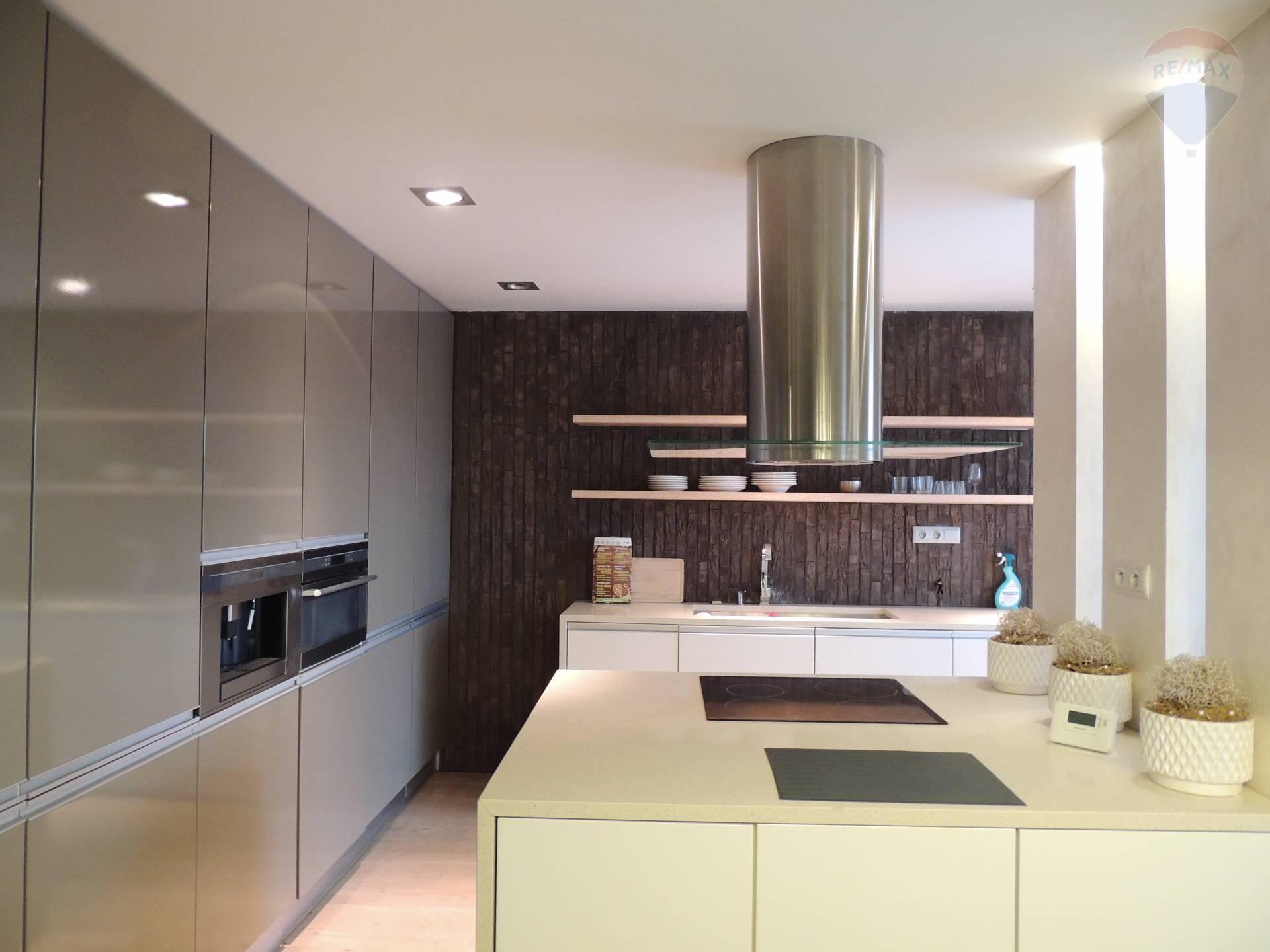 Na predaj: moderný 4 izbový byt , mezonet, Dunajská Streda