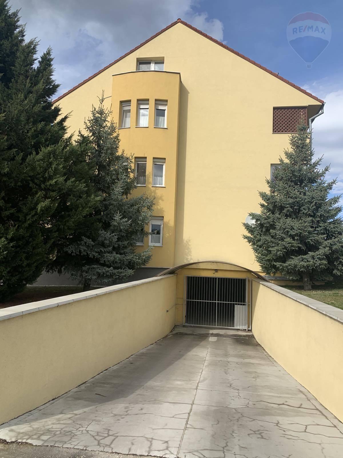 Na predaj: garáž, Dunajská Streda, ulica Záhradnícka