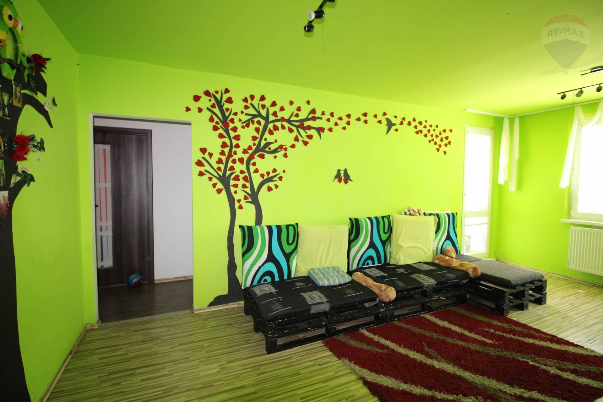 Predaj: 4-izbový byt, čiastočná rekonštrukcia, Námestie SNP, Dunajská Streda