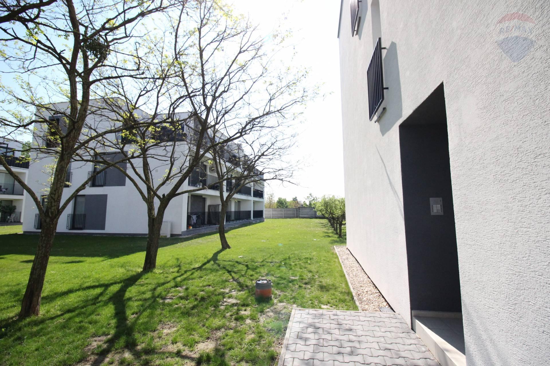 Prenájom: krásny 3 izbový byt, novostavba, s parkovacím státím, Dunajská Streda