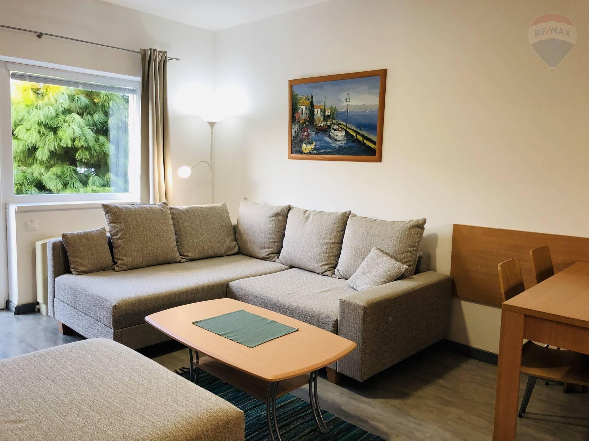 Na predaj 2 izb. byt, 39 m2, terasa, vlastné parkovacie státie, Veľký Meder