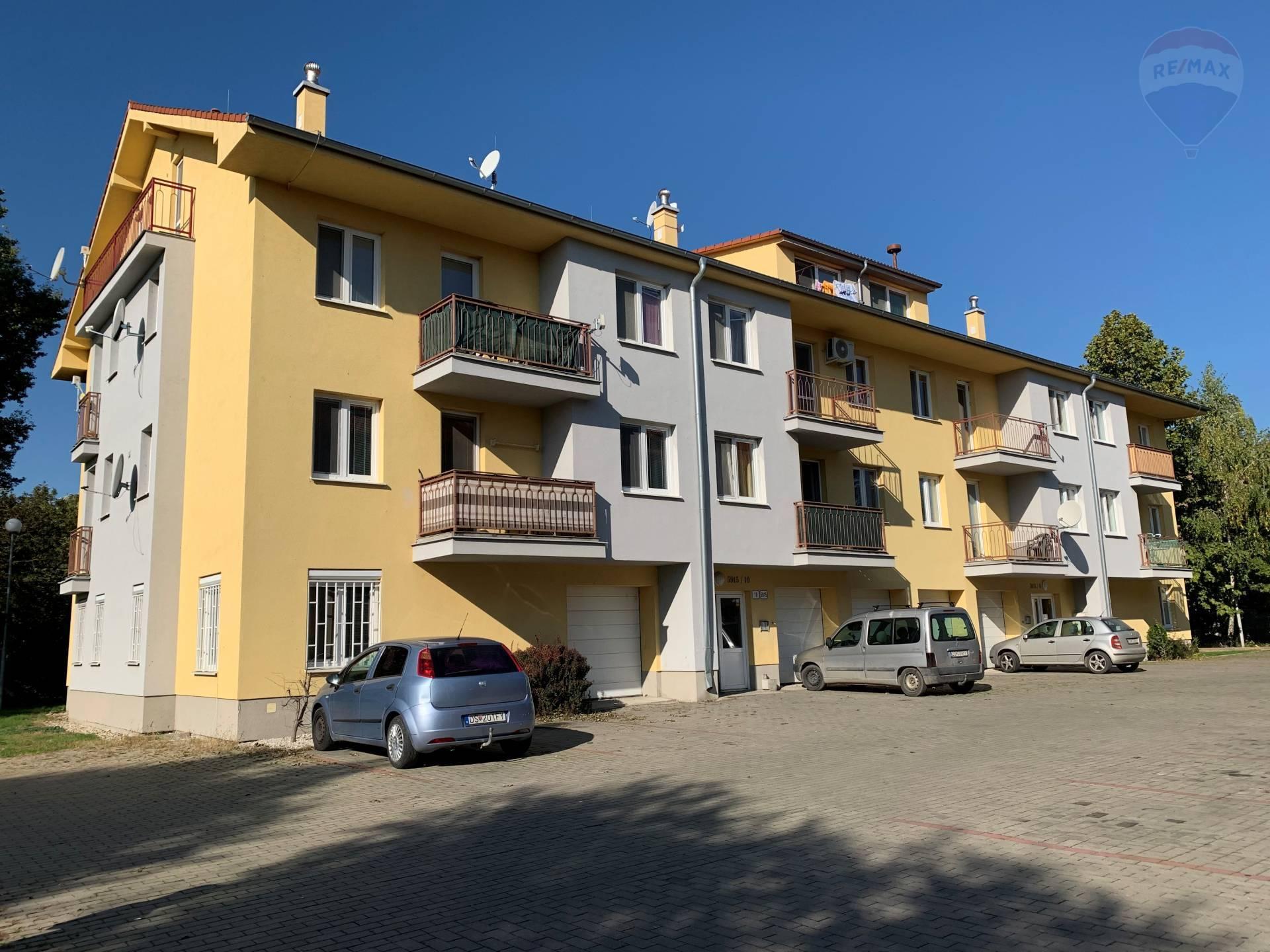 Predaj: 2 izbový byt, Dunajská Streda, 80 m2, Priemyselná ulica, tehlová stavba